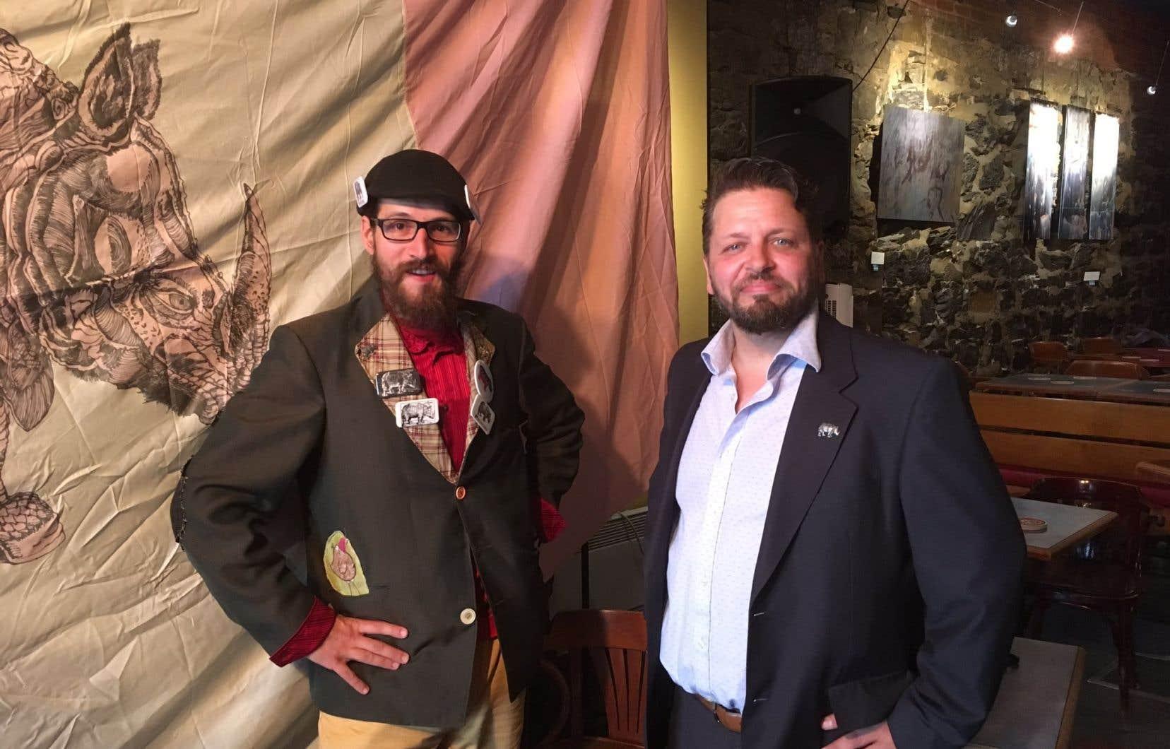 Le Parti rhinocéros a réussi à dénicher un candidat qui se nomme Maxime Bernier (à droite) pour affronter le chef du Parti populaire du Canada dans son fief beauceron lors de l'élection fédérale du 21octobre.