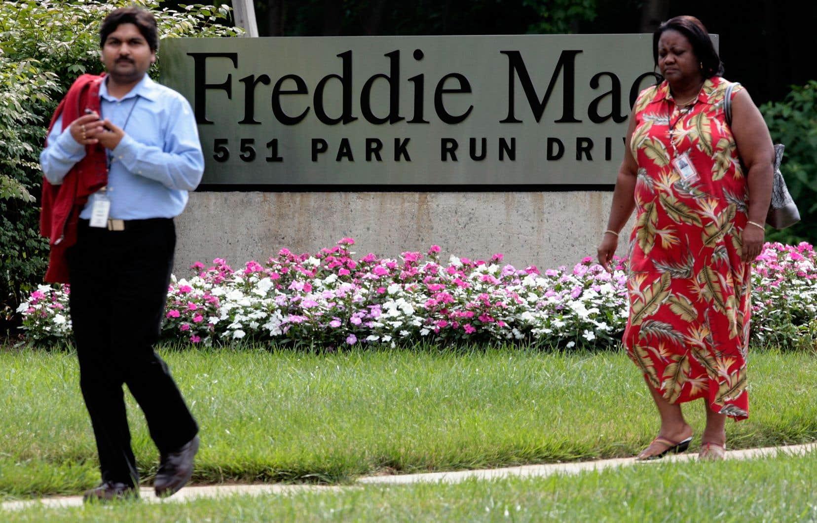 Selon Mark Calabria, directeur de l'agence de financement du logement, à eux seuls, Fannie Mae et Freddie Mac garantissent près de la moitié du volume des crédits immobiliers aux États-Unis.