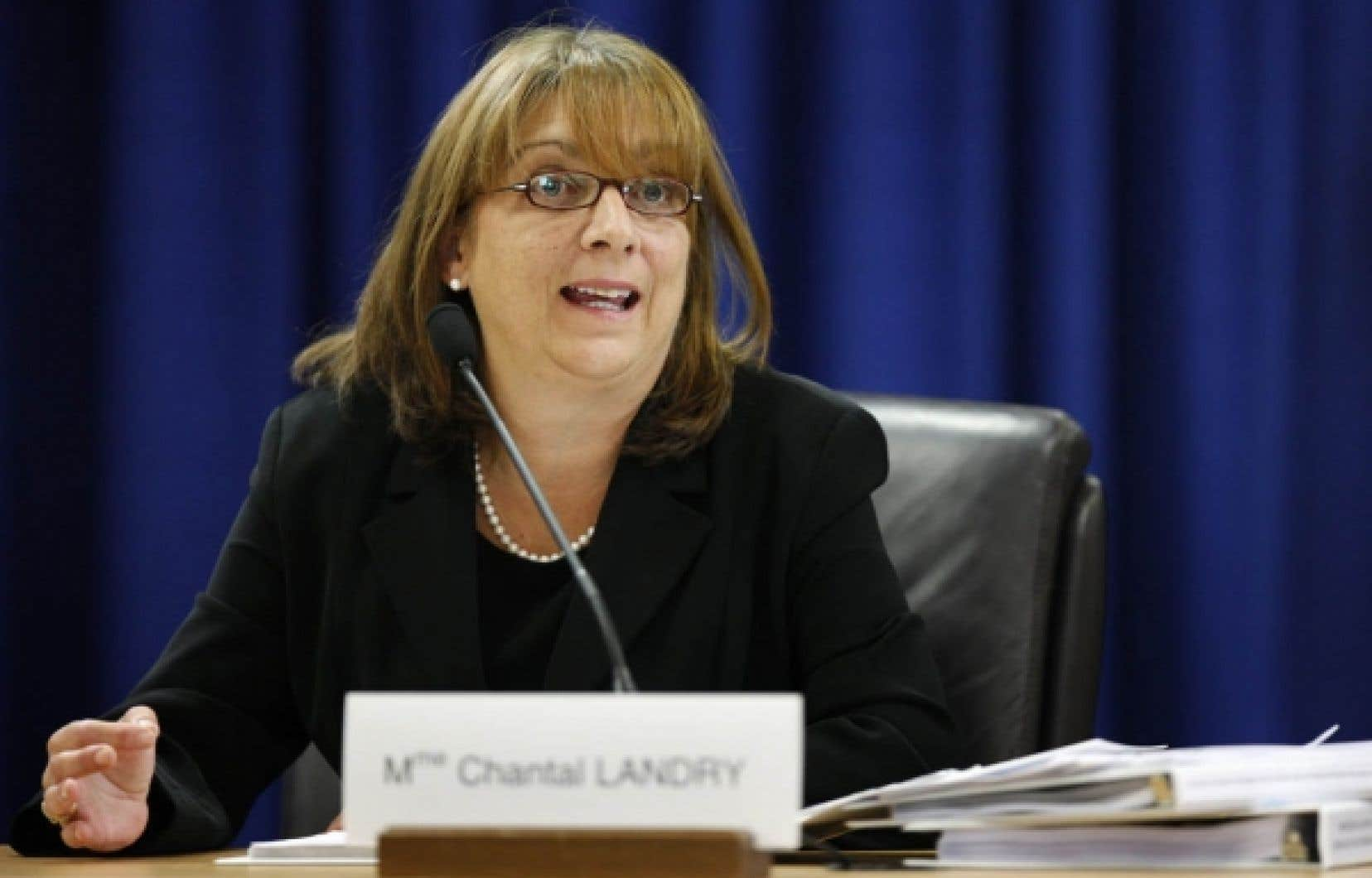 La directrice adjointe du cabinet Charest, Chantal Landry, est aussi responsable des relations avec le PLQ.<br />