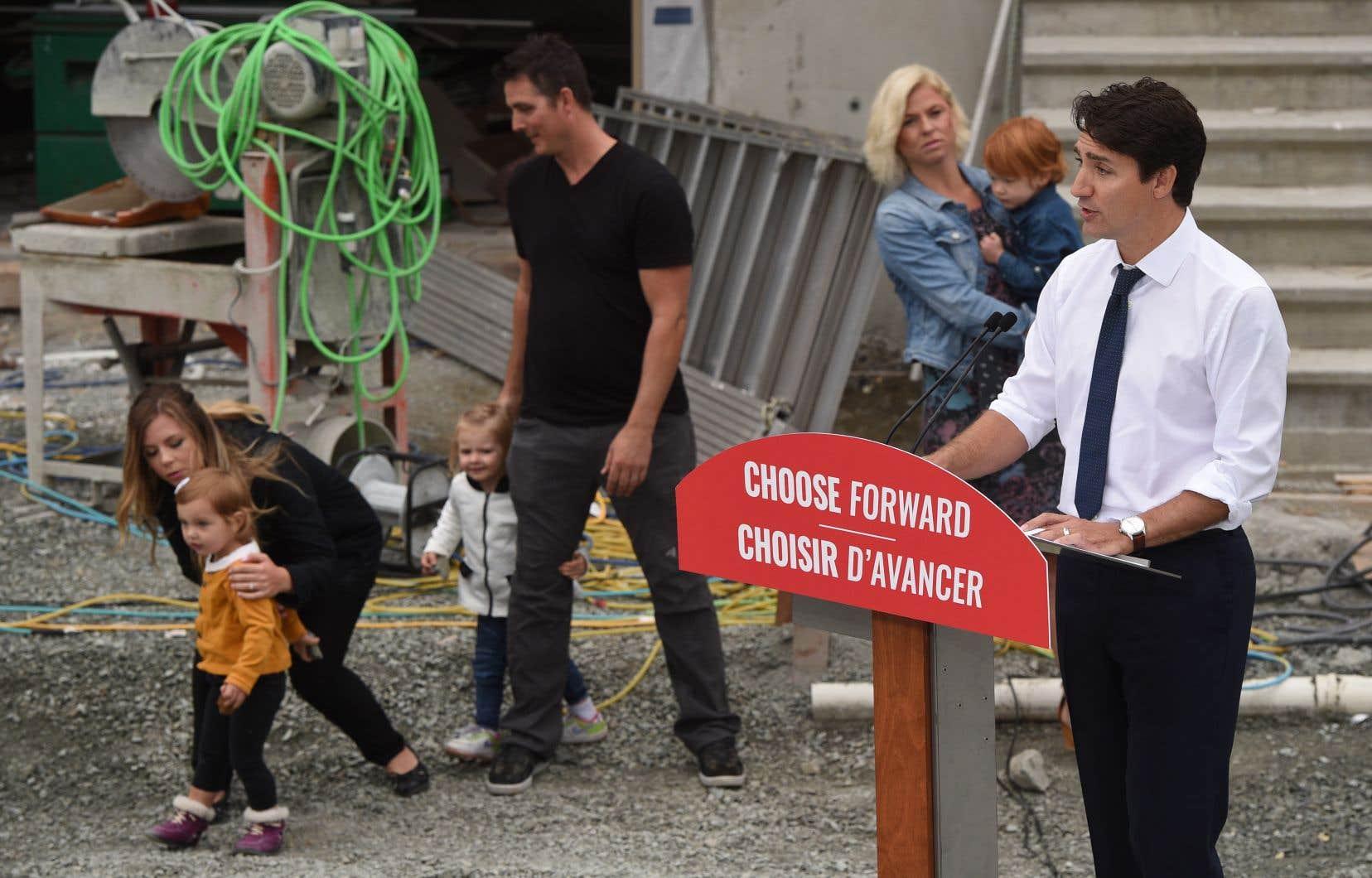 Justin Trudeau était à Victoria, en Colombie-Britannique, pour faire une annonce jeudi. Il ne participera pas au débat organisé par la revue «Maclean's», à Toronto.