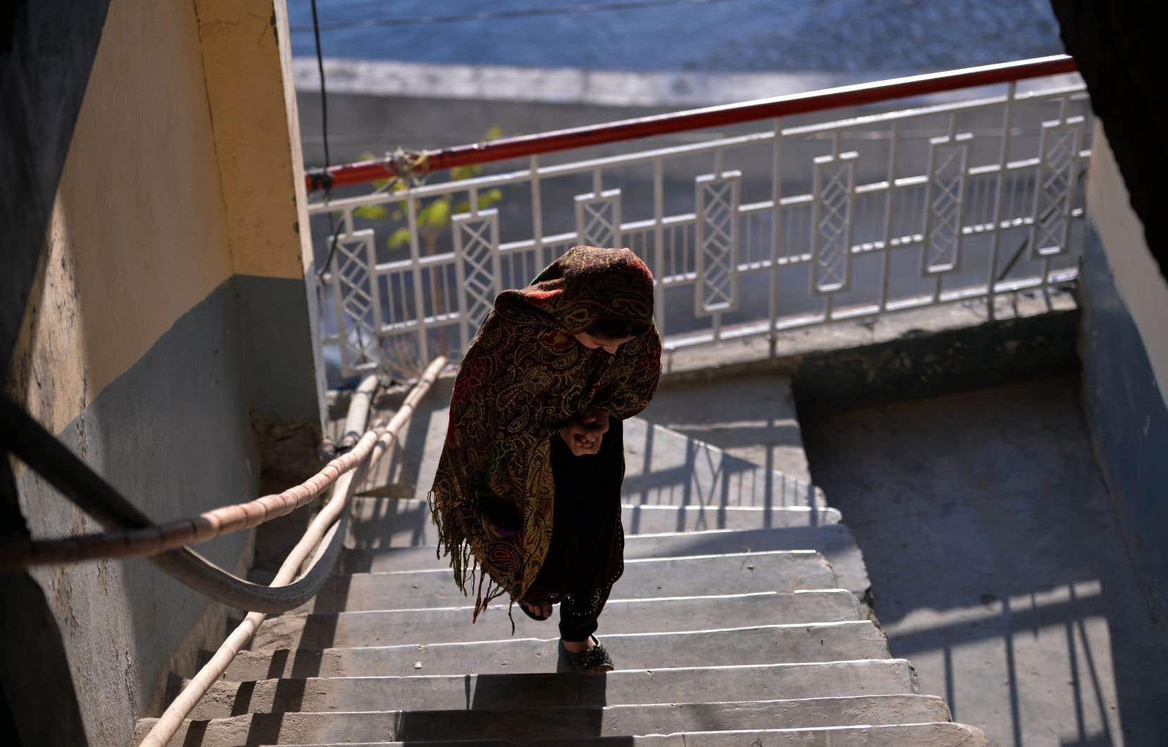 Cette représentation d'une jeune fille pakistanaise prenant en main son avenir est on ne peut plus importante, voire primordiale, de nos jours dans une société occidentale qui fait de la femme musulmane son sujet de débat favori.