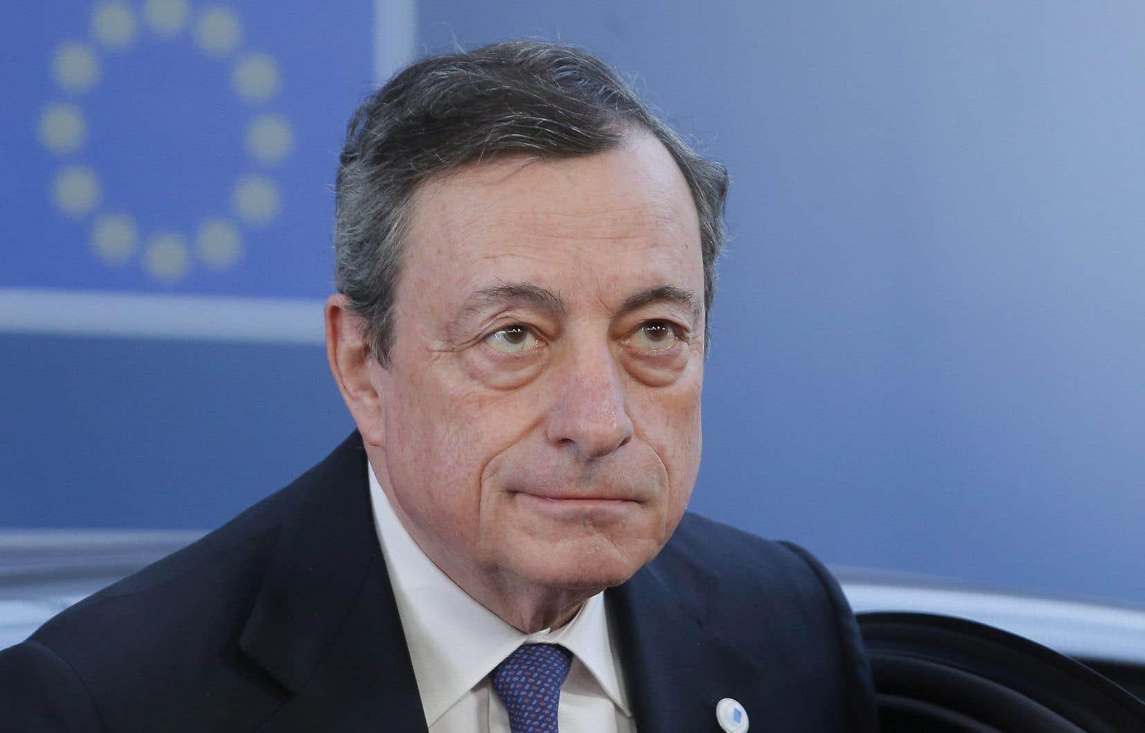 Face à la presse, Mario Draghi a brossé de l'économie de la zone euro un tableau assombri, où le risque de récession demeure «faible», mais en augmentation.