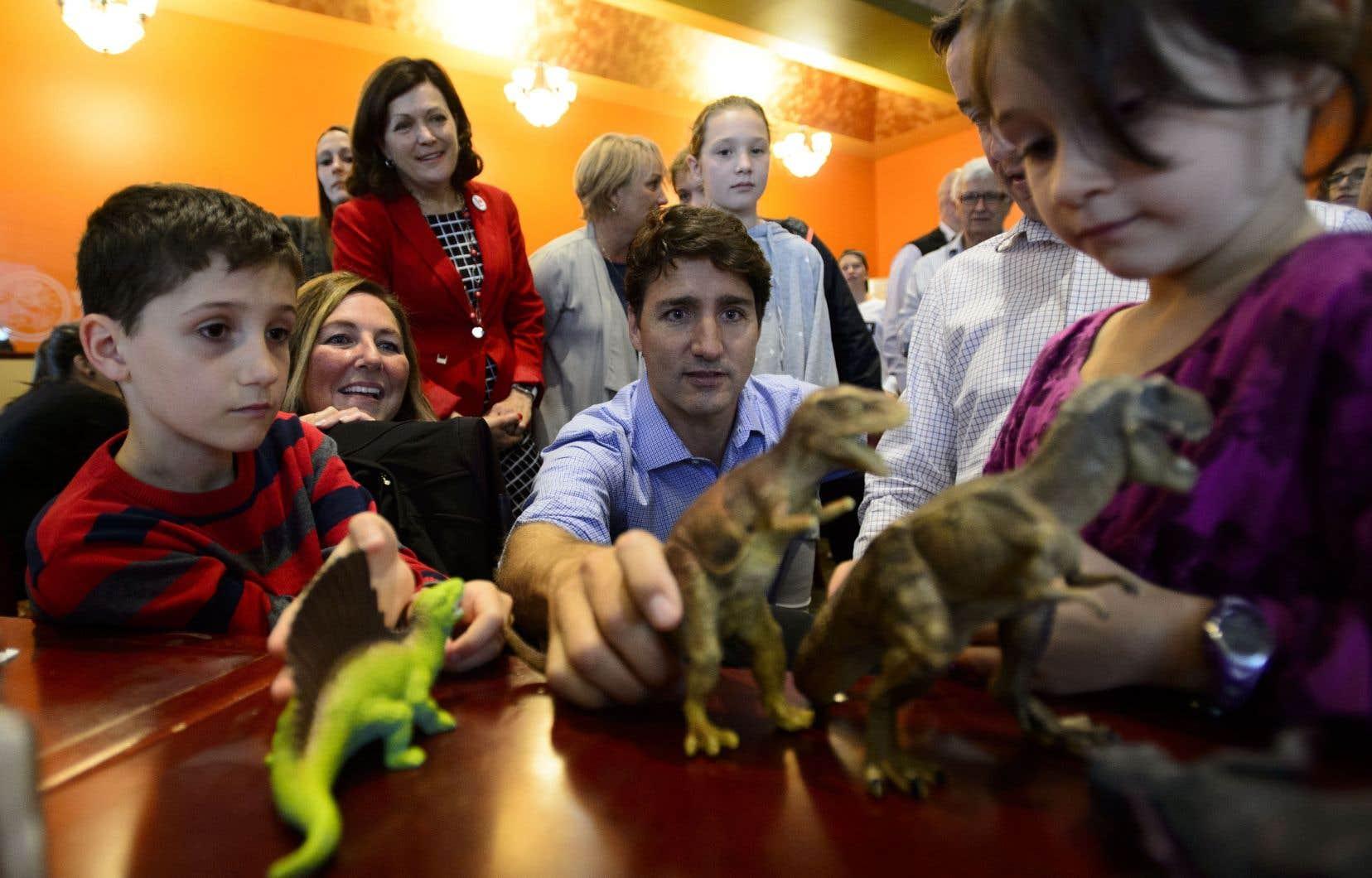 Justin Trudeau a fait un arrêt dans un restaurant de déjeuner dans Montcalm, une circonscriptionbloquiste sur la Rive-Nord de Montréal.