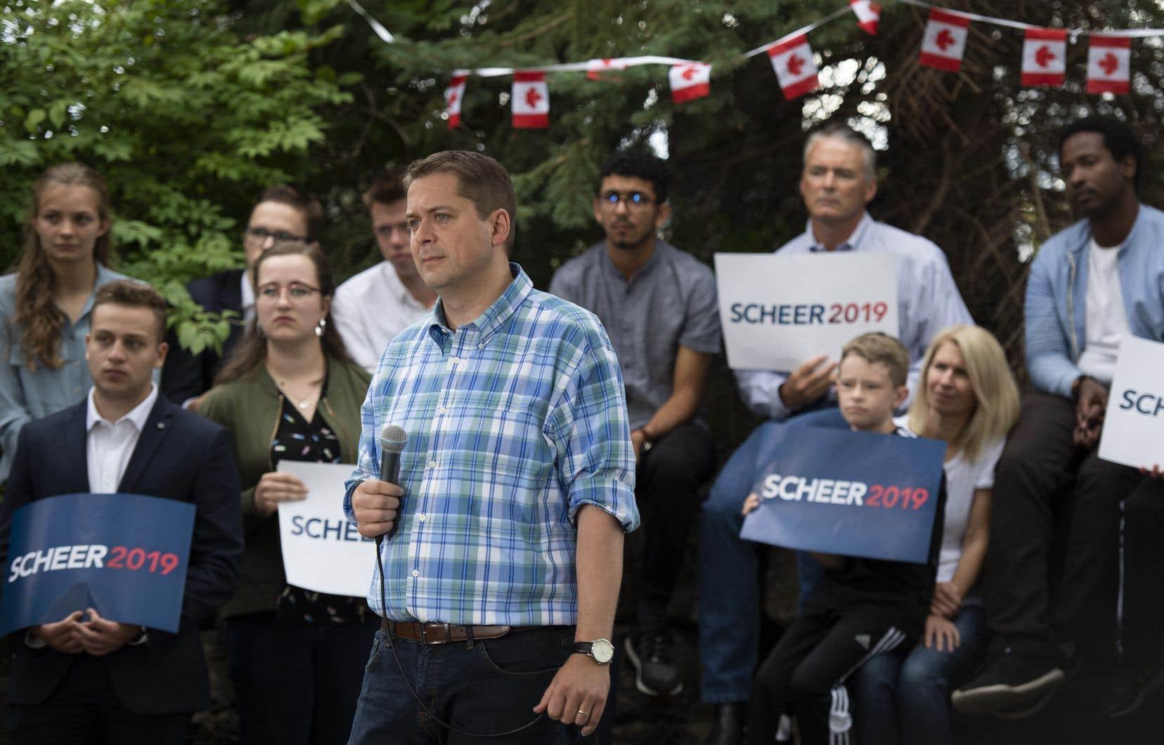 Malgré ses réserves au sujet de l'Accord Canada-États-Unis-Mexique, Andrew Scheer dit qu'il tentera de le faire ratifier, car faire marche arrière créerait un désastre pour l'économie canadienne.