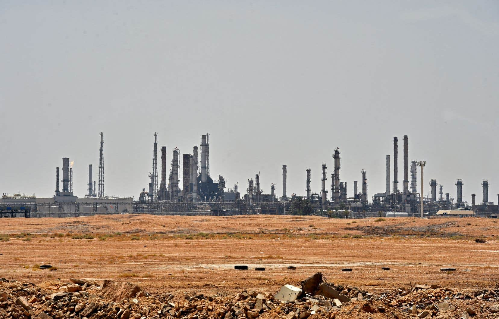 Les rebelles yéménites Houthis, soutenus par l'Iran et qui font face depuis cinq ans à une coalition militaire menée par Ryad, ont revendiqué les attaques contre les installations du géant public Aramco.