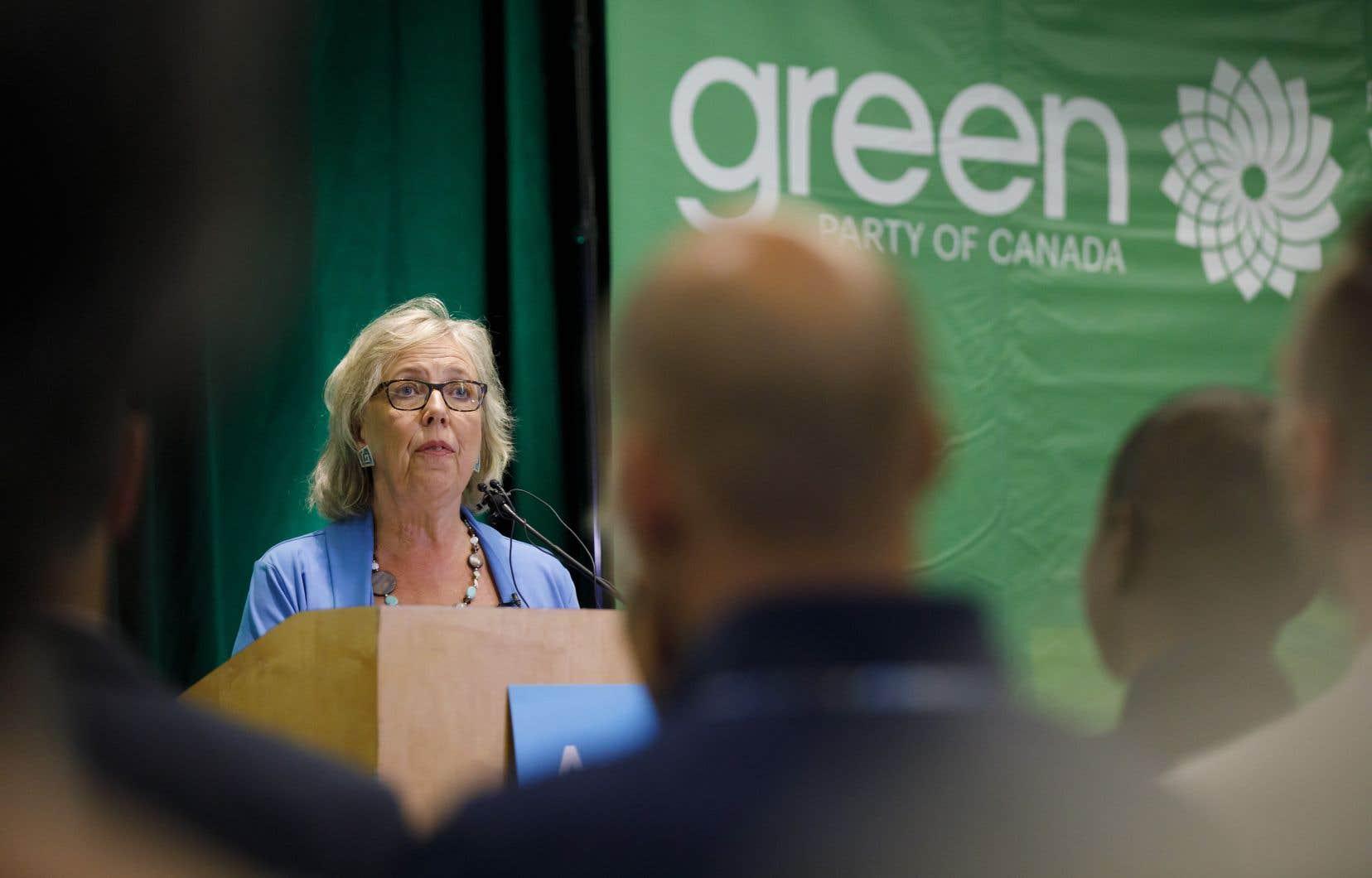 Selon la chef du parti, Elizabeth May, faire de la politique comme d'habitude alors que nous vivons une urgence climatique est une mauvaise approche.