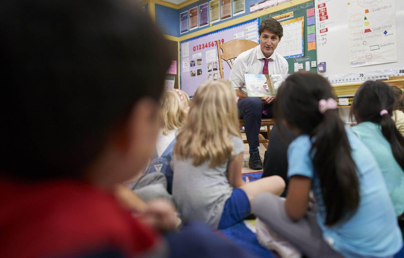 Justin Trudeau a promis de faire passer une subvention pour les services de garde de 400à 935millions de dollars par année.On le voit ici à l'école primaire catholique Blessed Sacrament à London, en Ontario.