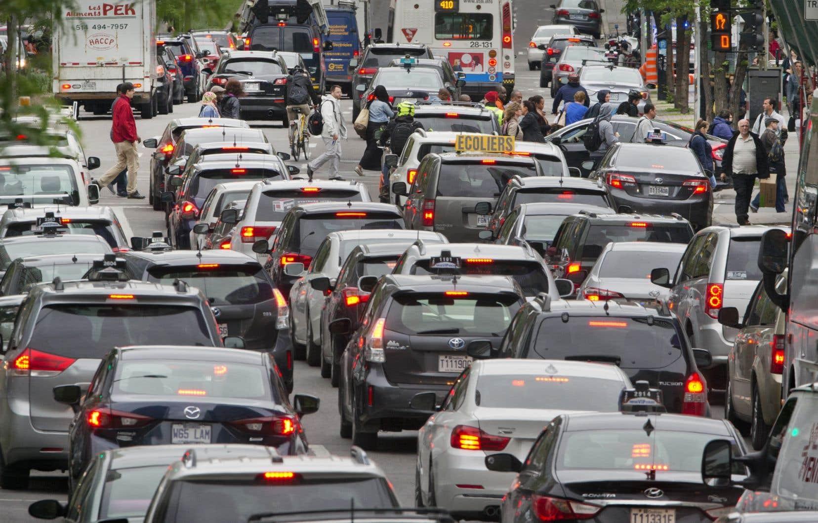 Évidemment, pour pouvoir vivre sans auto, il faut «organiser sa vie ». La principale condition est de demeurer dans un milieu suffisamment dense pour bénéficier d'un bon service de transport en commun.