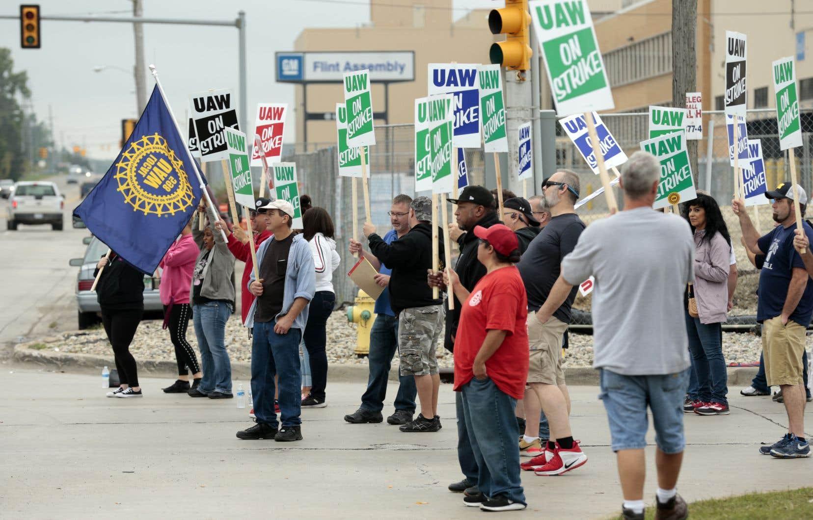 Les travailleurs américains de GM avaient débrayé pour la dernière fois pendant deux jours en 2007. Une autre grève, en 1998, s'était étirée sur 54 jours.