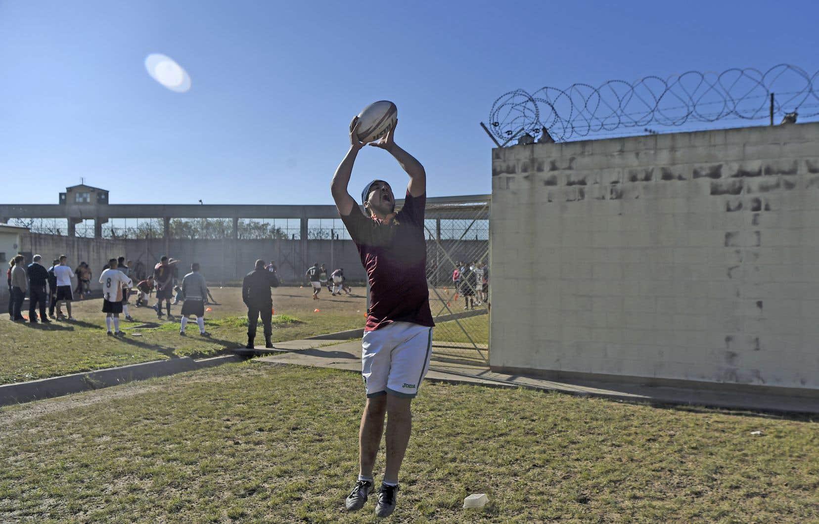 Aujourd'hui, sur les 1100 prisonniers de San Martin, 350 jouent au rugby plusieurs fois par semaine.