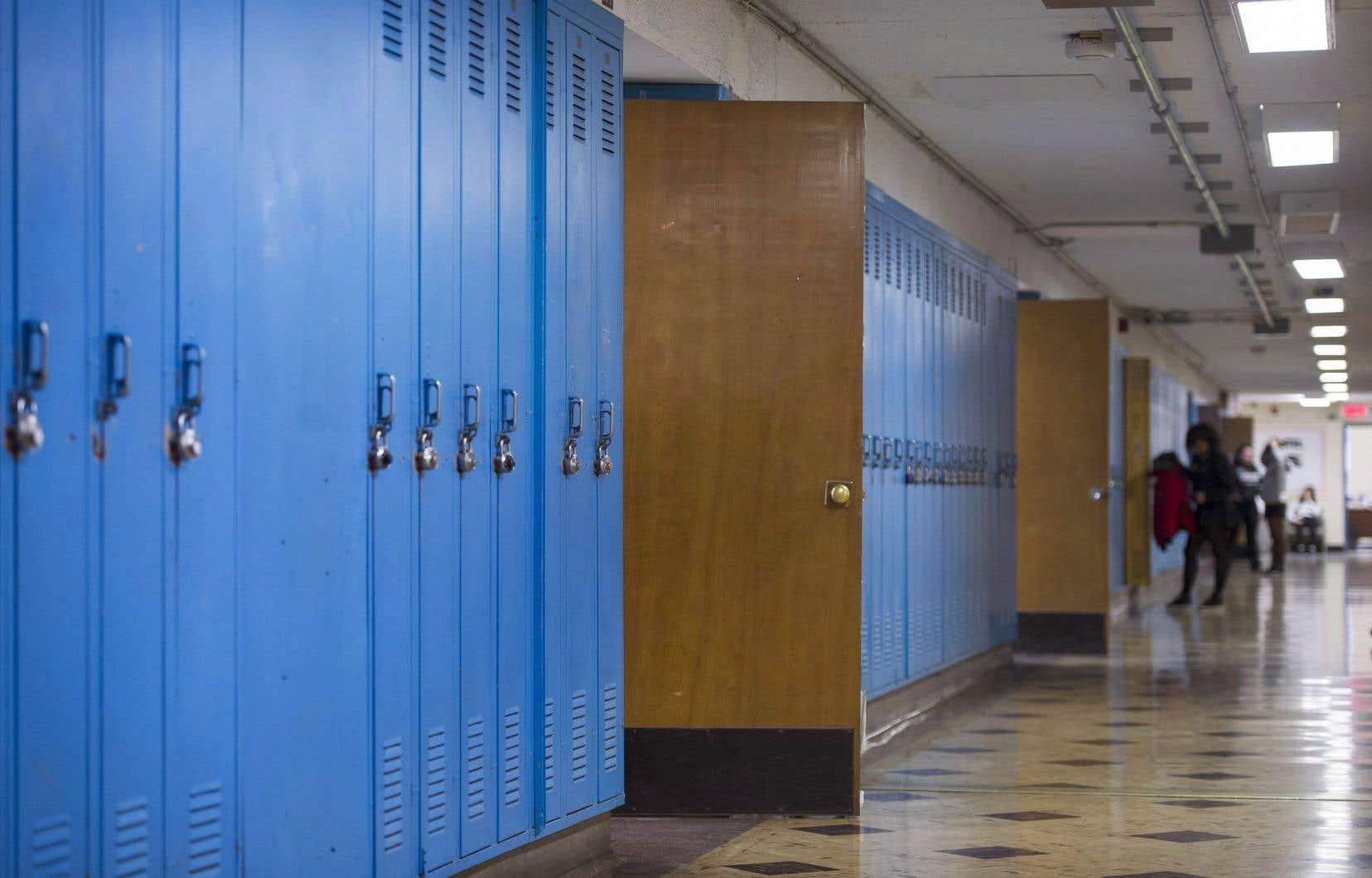 Le Québec compte 72 commissions scolaires.