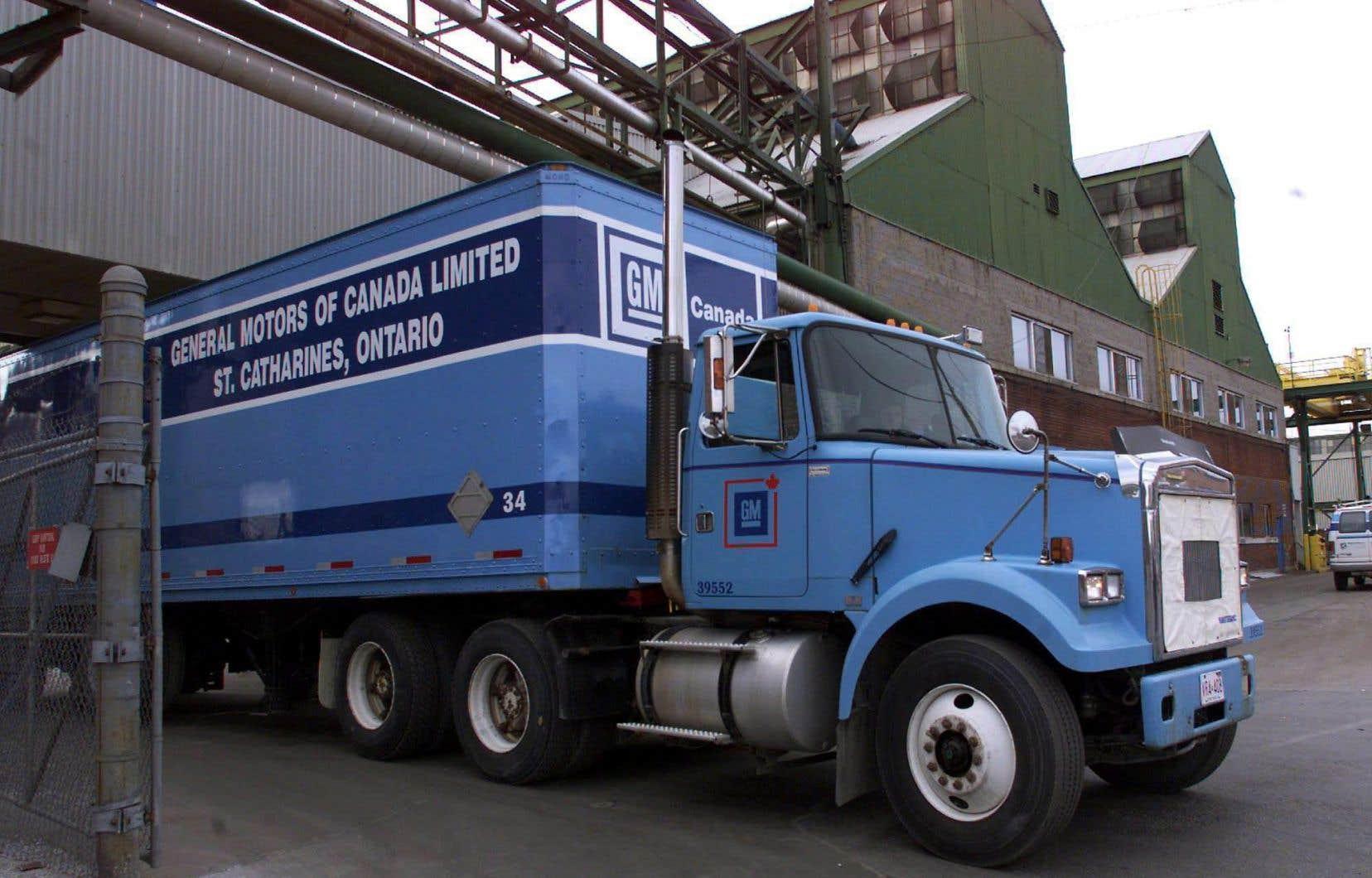 Selon General Motors, environ 730 employés étaient en congé après l'interruption, lundi, de la production de moteurs dans son usine deSt. Catharines, en Ontario.