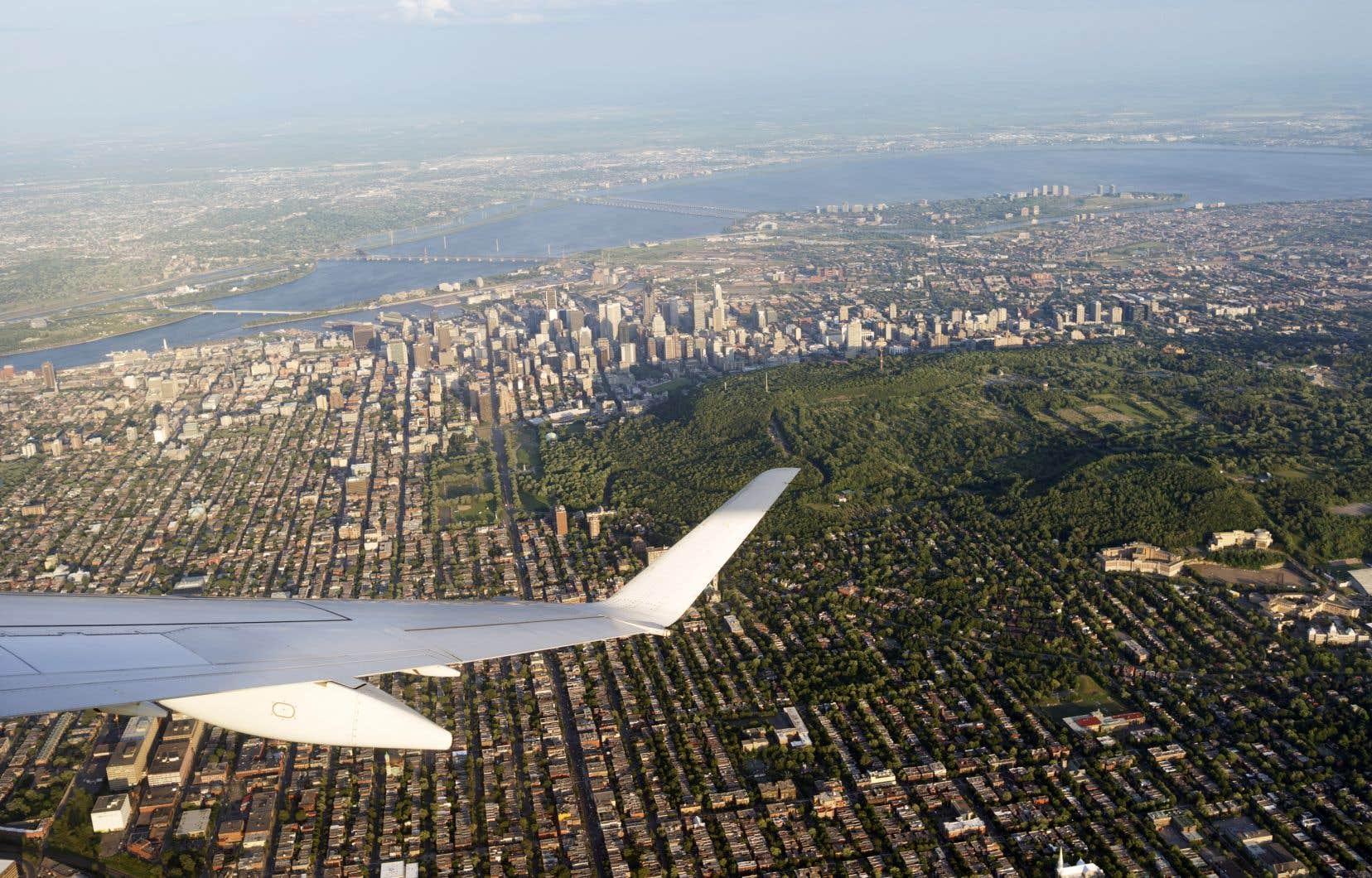 Dans son rapport sur Le bruit et la santé en 2017, la Direction régionale de santé publique souligne que leurs études «démontrent que 60% de la population de l'île de Montréal serait exposée à des niveaux de bruit moyens qui excèdent la recommandation de l'Organisation mondiale de la santé.»