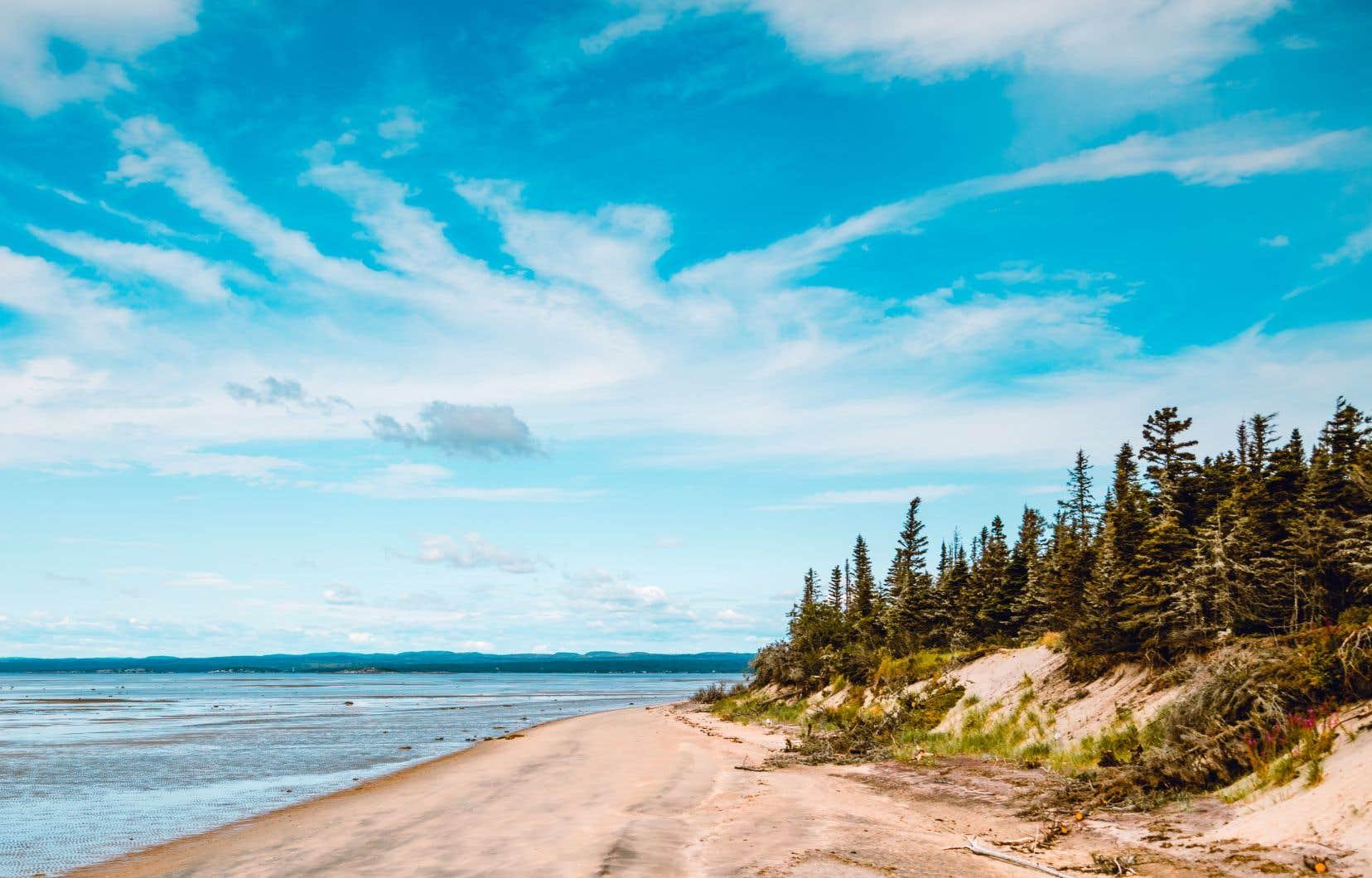 La plage de la Pointe-aux-Outardes, dans la péninsule de Manicouagan, sur la Côte-Nord. En février2018, le gouvernement libéral avait annoncé un investissement «de plus de 32millions de dollars» pour valoriser l'innovation et stimuler la croissance économique de la région.