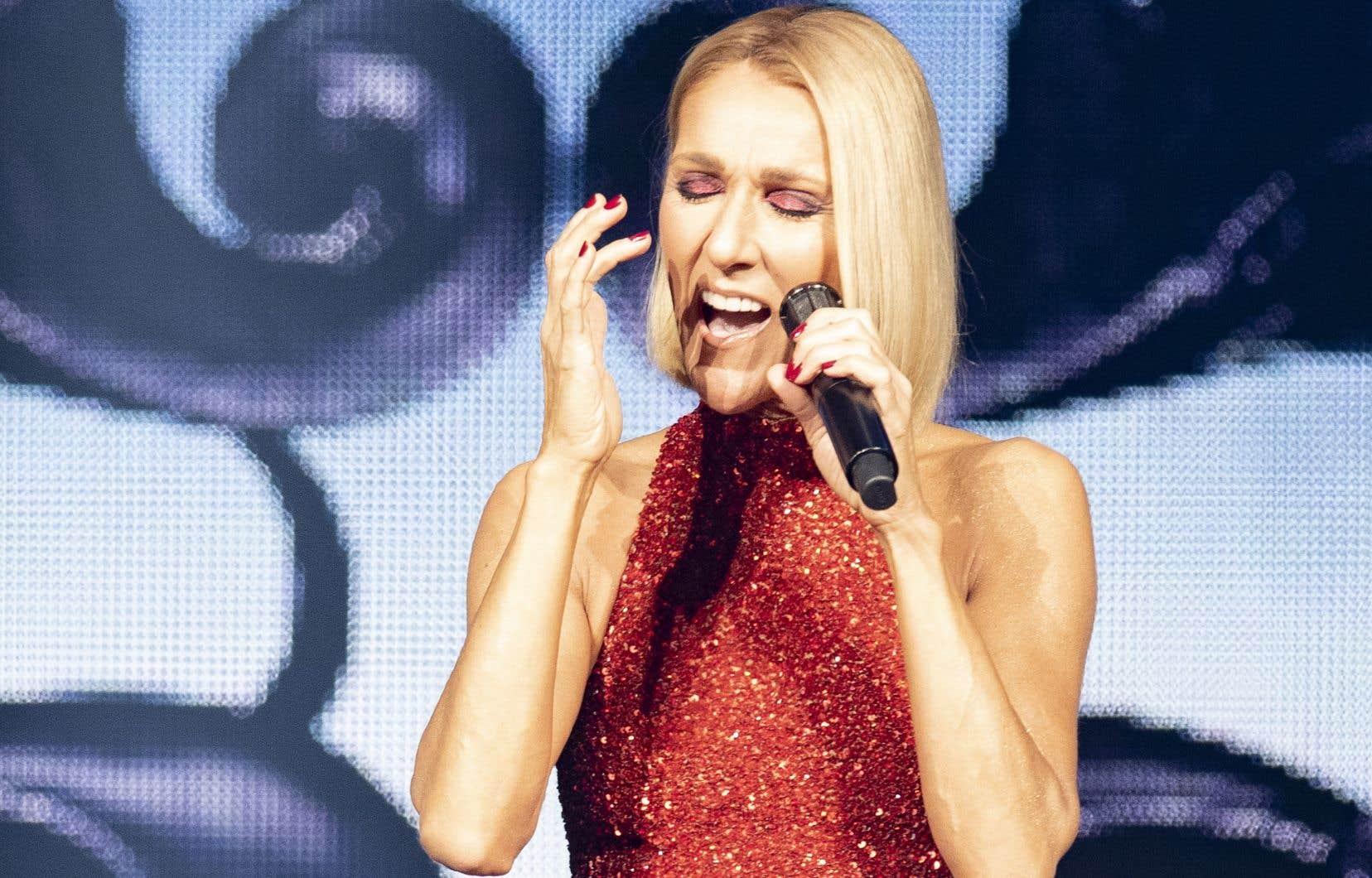 <p>La chanteuse Céline Dion serait ennuyée par un problème à la gorge.</p>