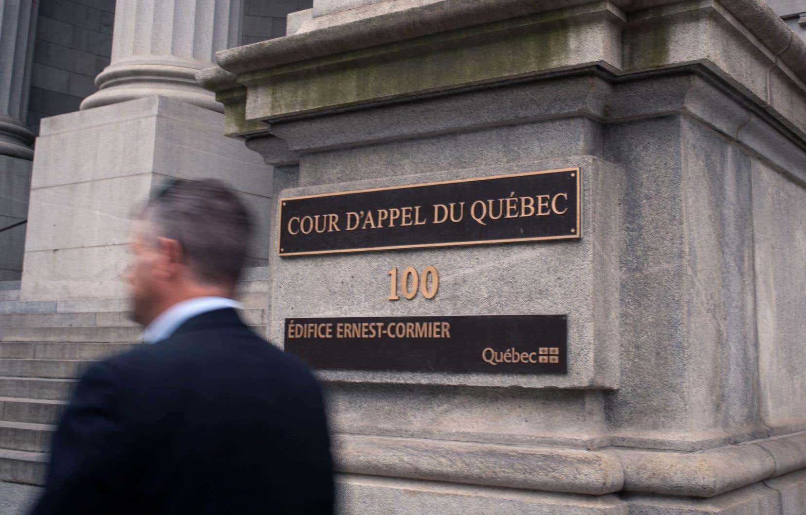 <p>Le règlement de l'arrondissement porte atteinte à la liberté d'expression, mais il est justifié, selon la Cour d'appel.</p>