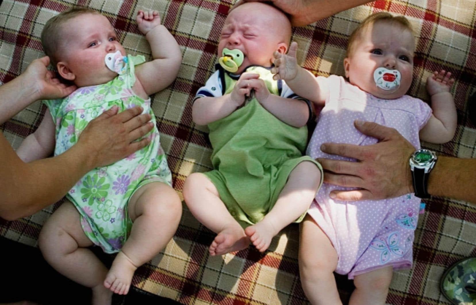 Au Québec, 6 bébés à terme sur 1000 naissent avec une surdité. «Quand on arrive à [les] dépister et à intervenir avant six mois, les enfants se développent pratiquement sans différence, explique l'audiologiste Tony Leroux. Si on les dépiste plus tard, il y aura un retard de développement du langage et un retard cognitif qu'ils ne vont presque jamais pouvoir rattraper.»