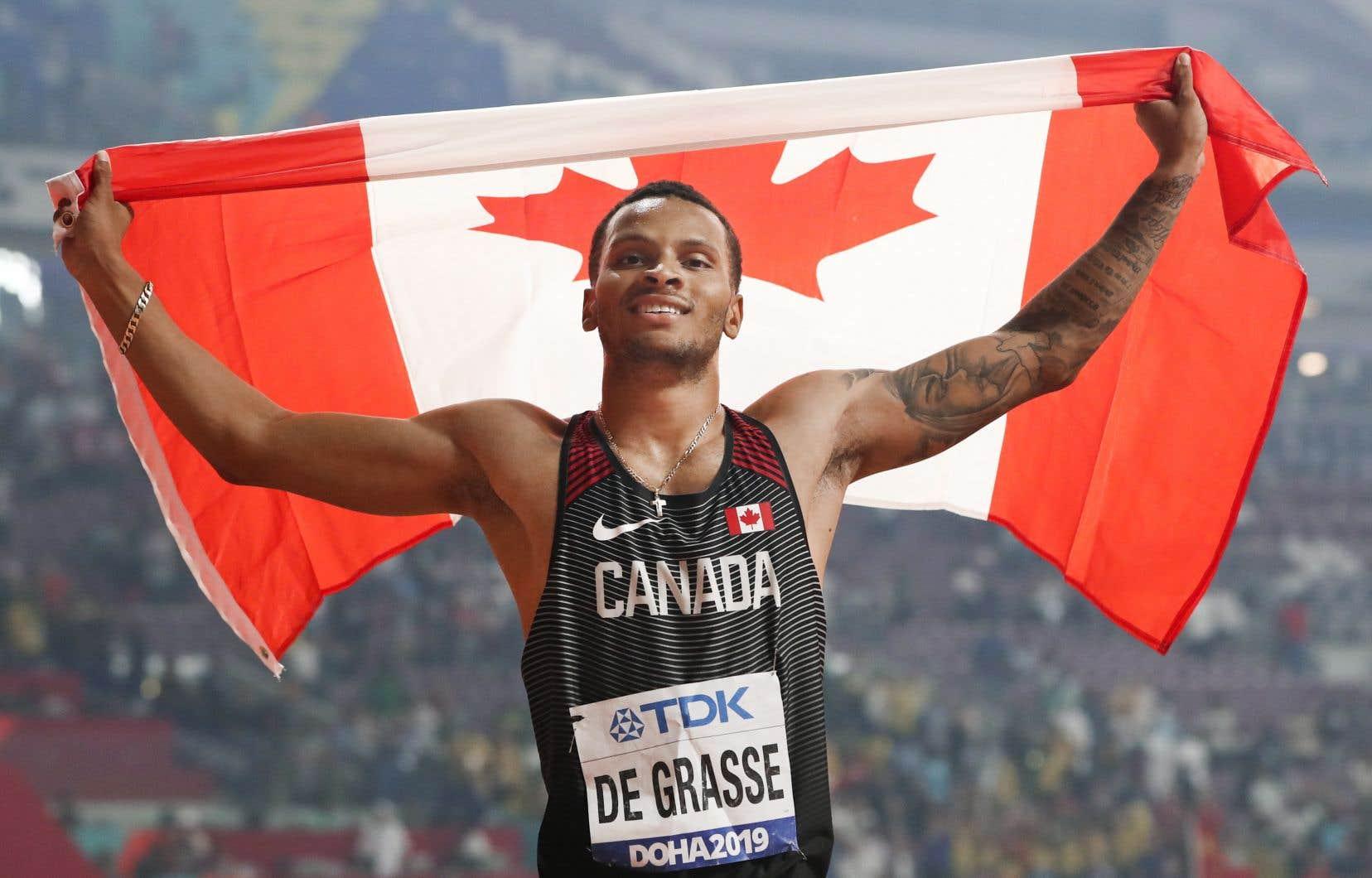 Andre De Grasse compte maintenant une médaille d'argent et trois de bronze en carrière aux Mondiaux, qui s'ajoutent à ses trois médailles olympiques, une d'argent et deux de bronze.