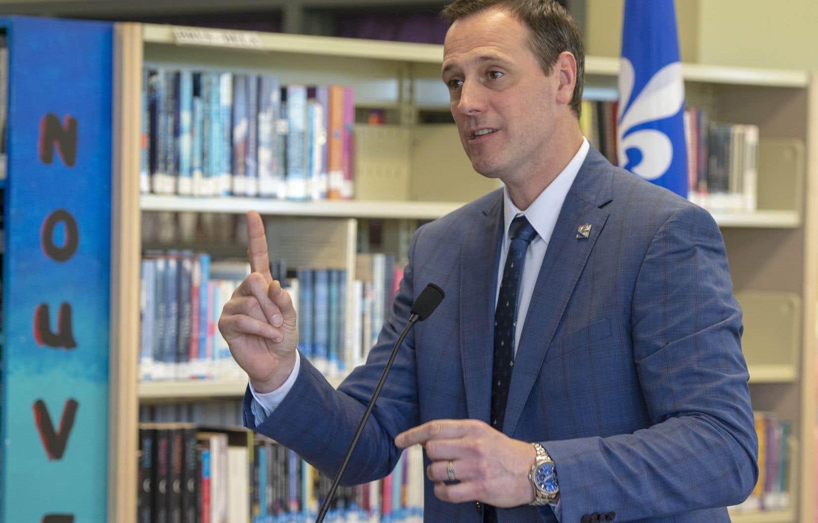 Le ministre Jean-François Roberge affirme qu'il veut donner toute la marge de manœuvre aux directions d'école pour offrir les services aux élèves.