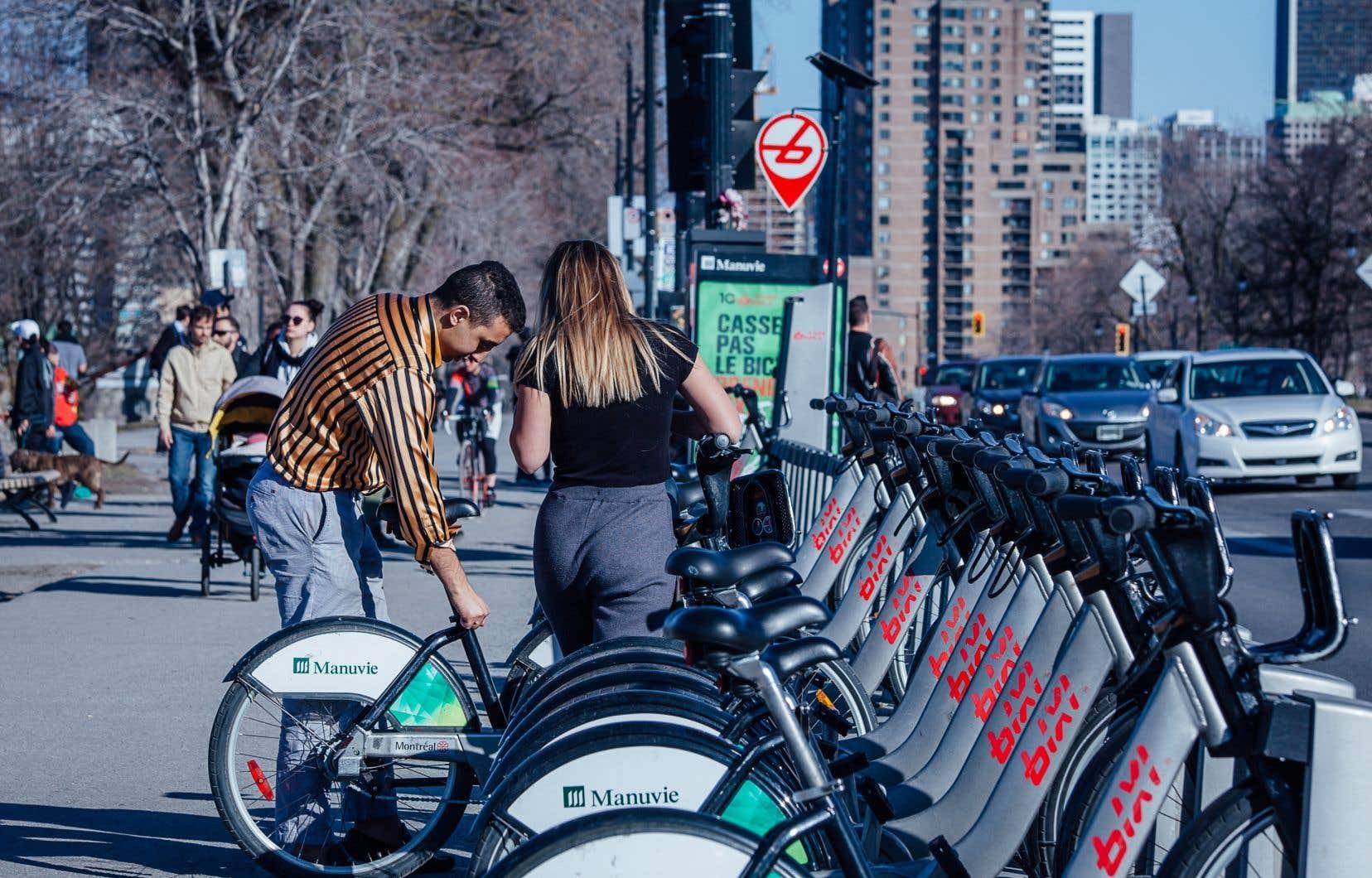 L'UQAM a conclu des ententes promotionnelles avec le système  de vélopartage Bixi pour valoriser  le transport actif de ses étudiants  et employés.