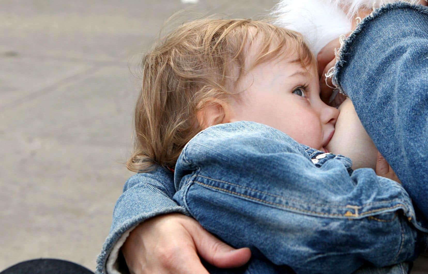 Selon les plus récentes données sur le taux d'allaitement au pays qui datent de 2011-2012, le Canada et le Québec font piètre figure en la matière.
