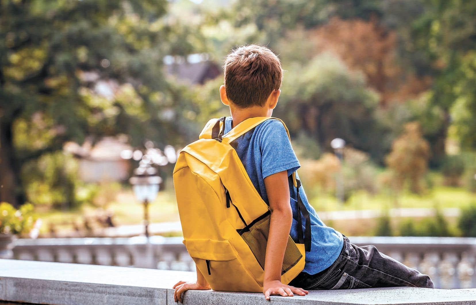 Seulement 57% des garçons terminent leur programme de deuxième cycle dans les temps au public, contre 71% des filles.