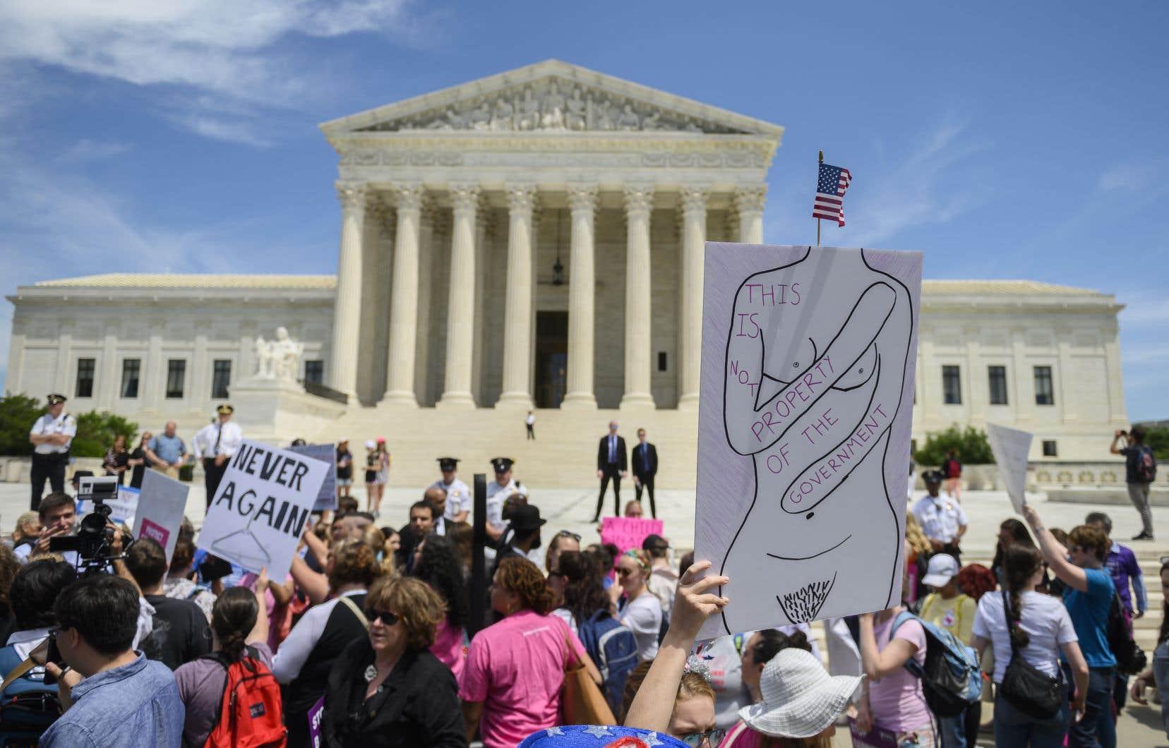 Les neuf juges de la Cour suprême américaine vont examiner sur le fond une loi adoptée en 2014 en Louisiane, dont ils avaient bloqué l'entrée en vigueur <em>in extremis</em> l'hiver dernier.