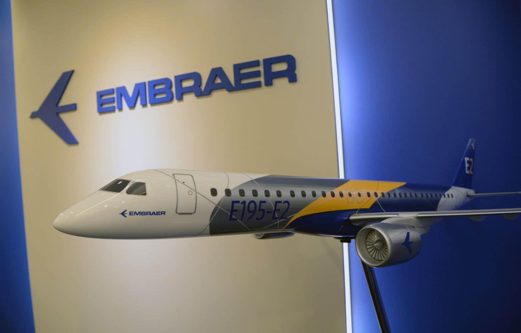 La Commission européennedit qu'elle s'inquiète de la perspective selon laquelle «l'opération envisagée ne supprime le troisième plus grand concurrent mondial, Embraer, sur le marché déjà fortement concentré de l'aviation commerciale».