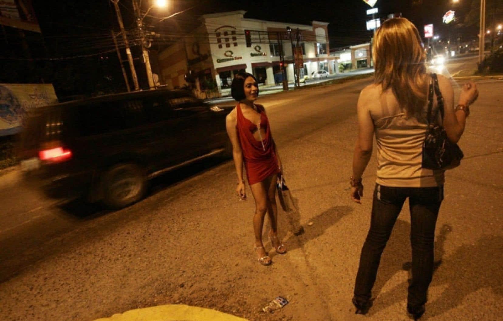 Il ressort du discours des derniers jours sur la prostitution un mépris et une condescendance, une fois de plus, à l'égard des travailleuses du sexe.<br />