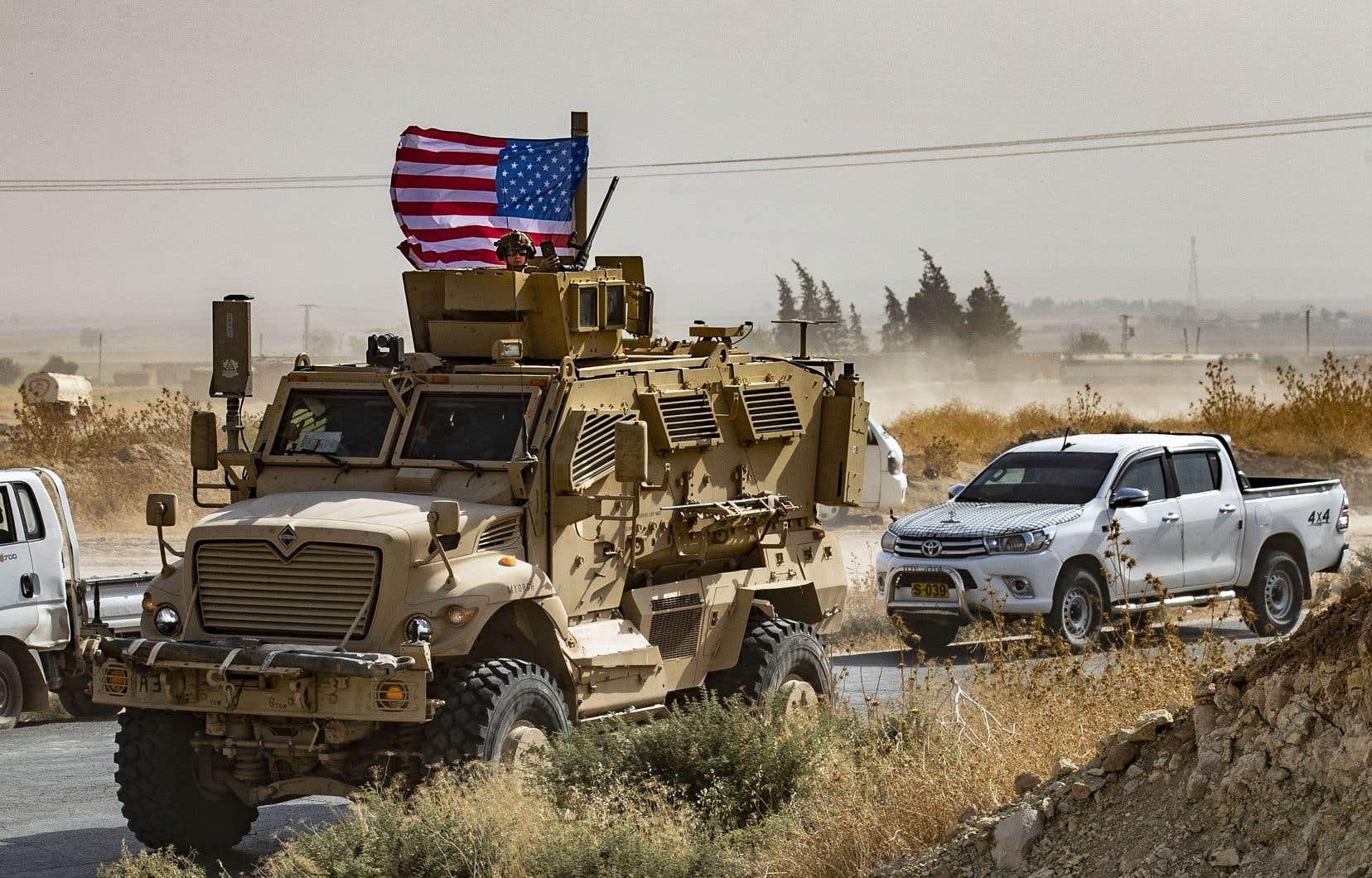 Les militaires américains avaient commencé à quitter les postes d'observation des villages frontaliers de Tell Abyad et de Ras al-Aïn (photo). Lundi, Donald Trump a précisé qu'il n'avait finalement ordonné qu'un redéploiement vers d'autres bases d'un contingent de 50 à 100 membres des forces spéciales.