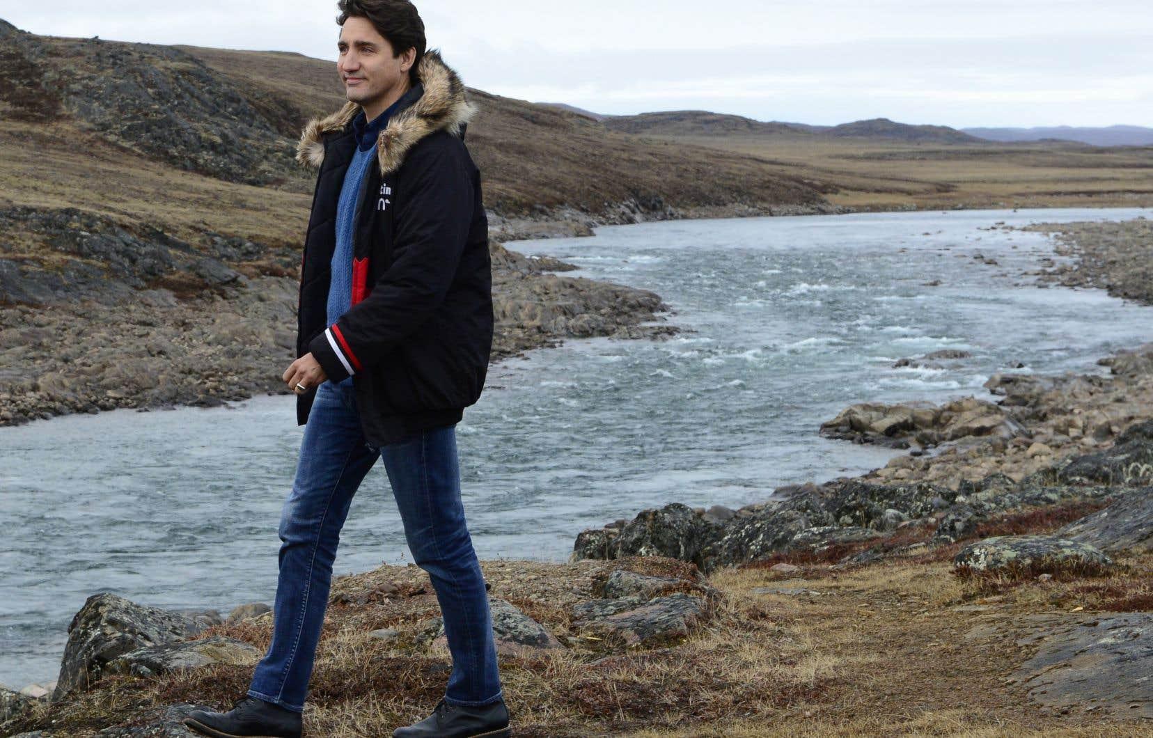 JustinTrudeau s'est rendu au Nunavut mardi, où il a souligné sa promesse de protéger le Haut-Arctique contre le changement climatique et de répondre aux préoccupations des habitants du Nord s'il est réélu le 21octobre.