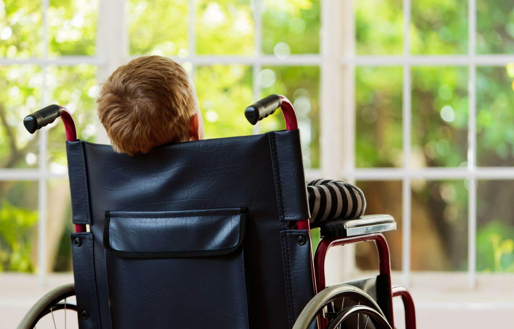 Les demandes relatives à un handicap, comme l'intégration d'enfants handicapés en camps de jour ou l'inclusion en milieu scolaire sont les plus fréquentes.