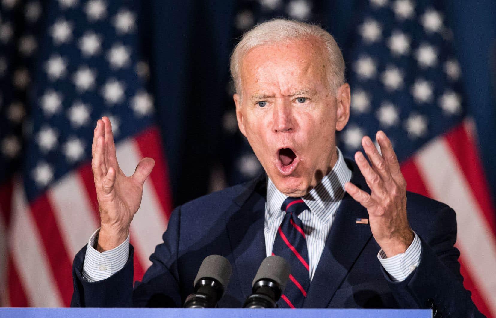 «Pour protéger notre Constitution, notre démocratie, nos principes fondamentaux, [Donald Trump] doit être visé par une procédure de destitution», a affirmé mercredi Joe Biden.