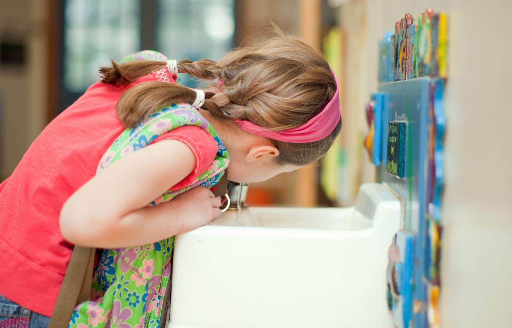 Des trousses d'analyse de l'eau potable seront envoyées aux commissions scolaires.