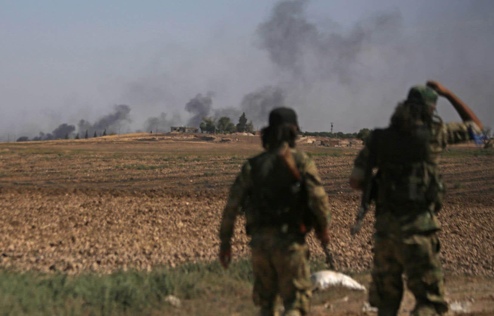 Samedi matin, les forces turques et leurs alliés locaux ont lancé l'assaut sur Ras al-Aïn, presque entièrement désertée par ses habitants, selon l'OSDH.