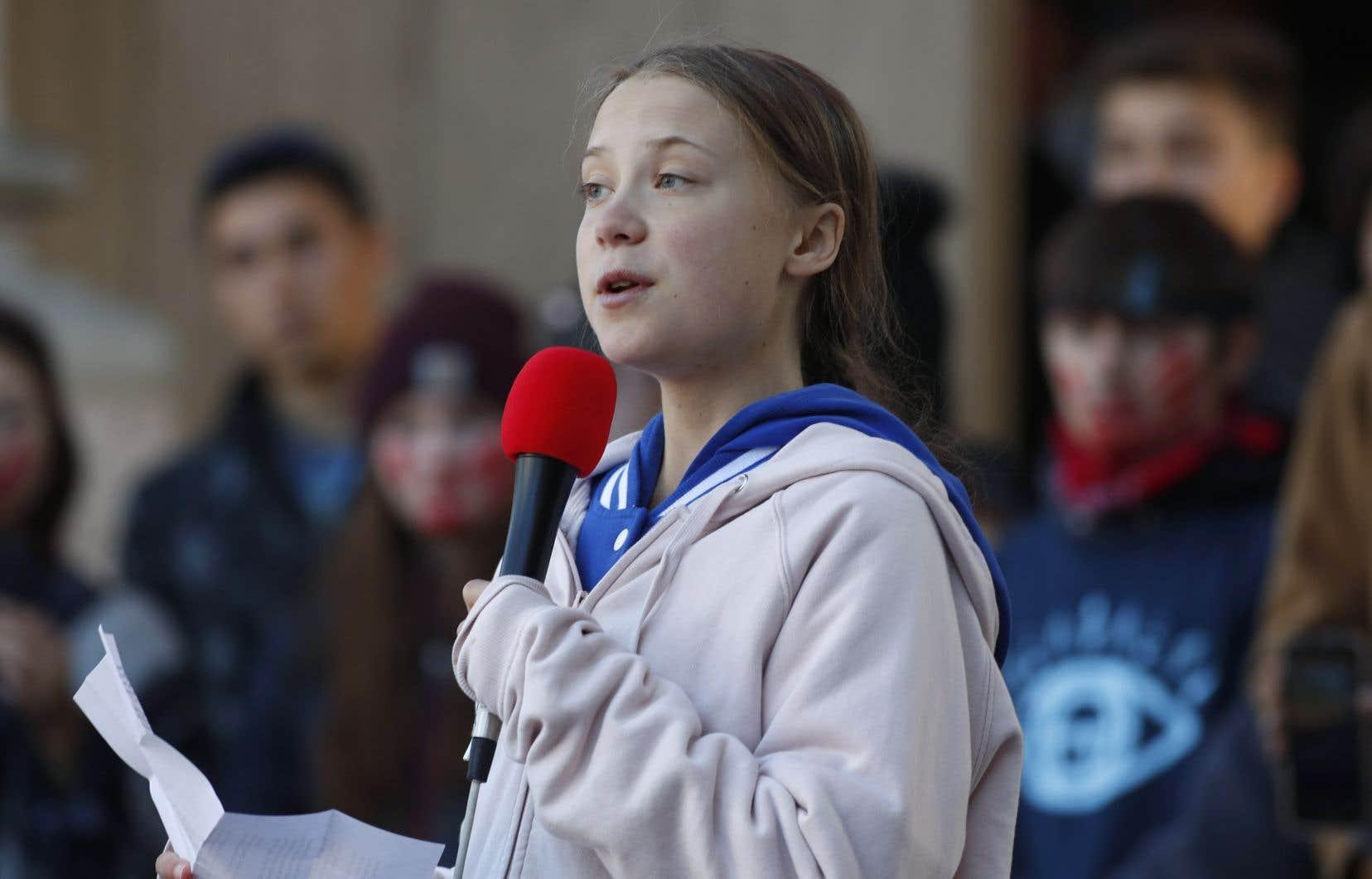 Samedi soir, la jeune activiste en environnement Greta Thunberg a annoncé qu'elle était en route vers l'Alberta, province connue pour son industrie pétrolière.