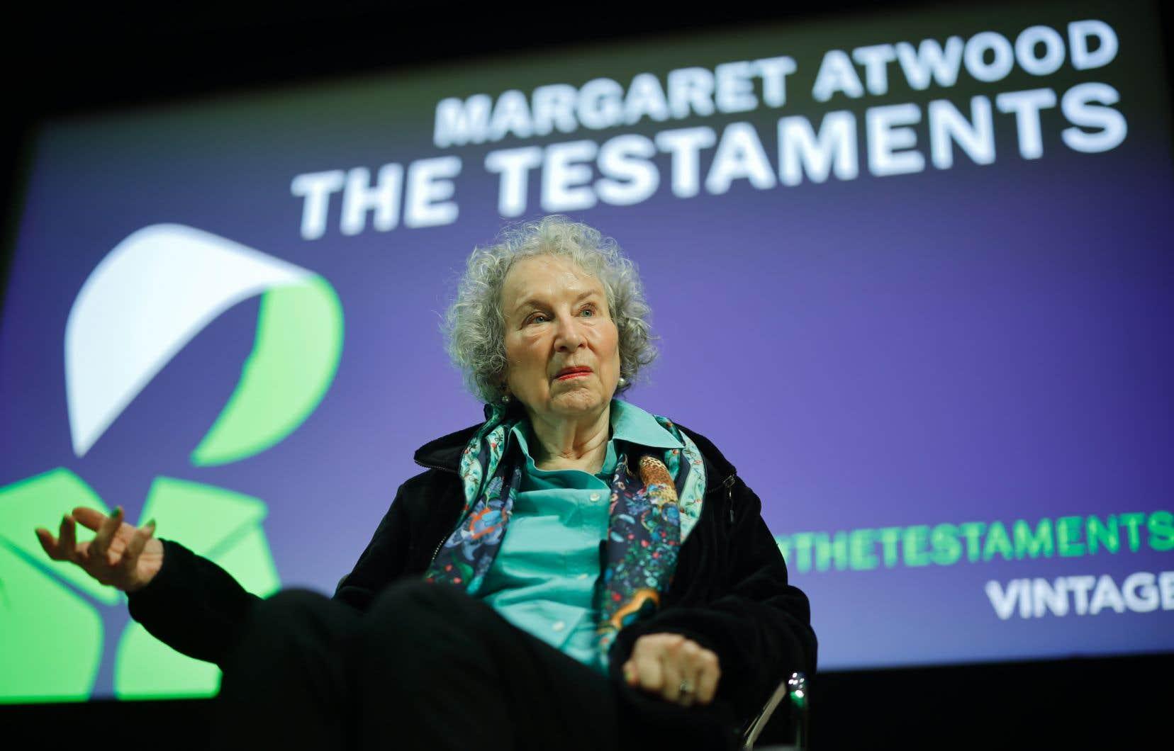 Déjà couronnée il y a 19 ans, la romancière et poétesse canadienne Margaret Atwood est cette fois récompensée pour «Les Testaments».