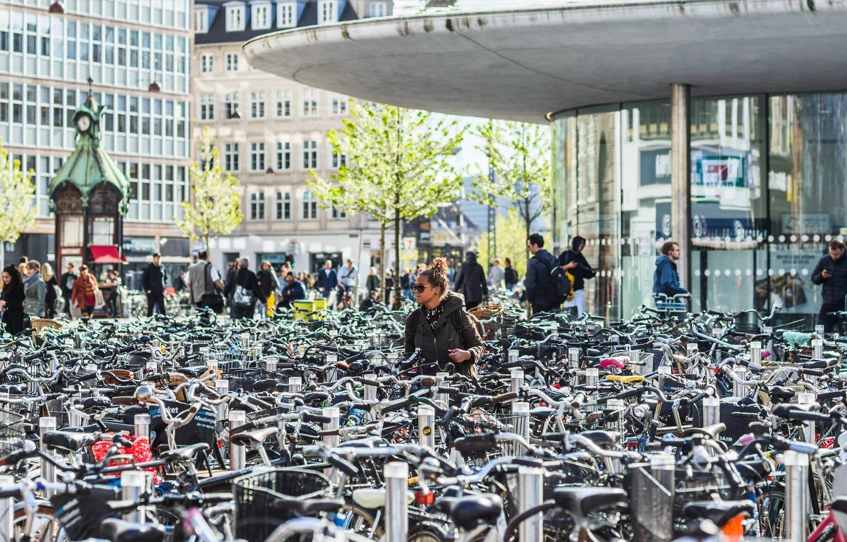 On dénombre environ 672 000 vélos à Copenhague, un nombre si élevé qu'il réduit les risques de vol, selon Marie Kastrup.