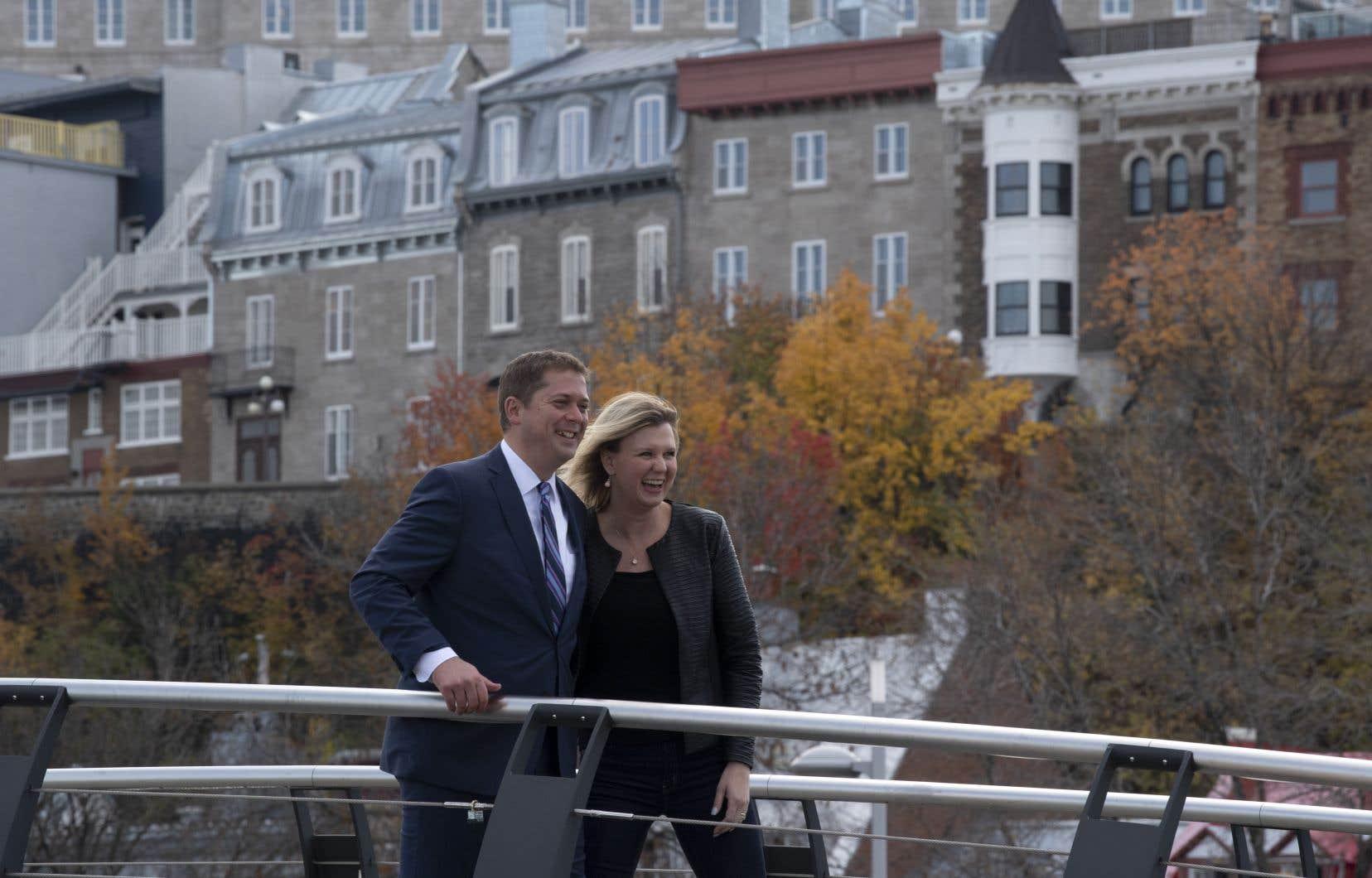Andrew Scheer, de passage à Québec, continuait, mardi, de démoniser le scénario d'une coalition libérale-néodémocrate qui, selon lui, conduirait à des augmentations de taxes et de déficits.