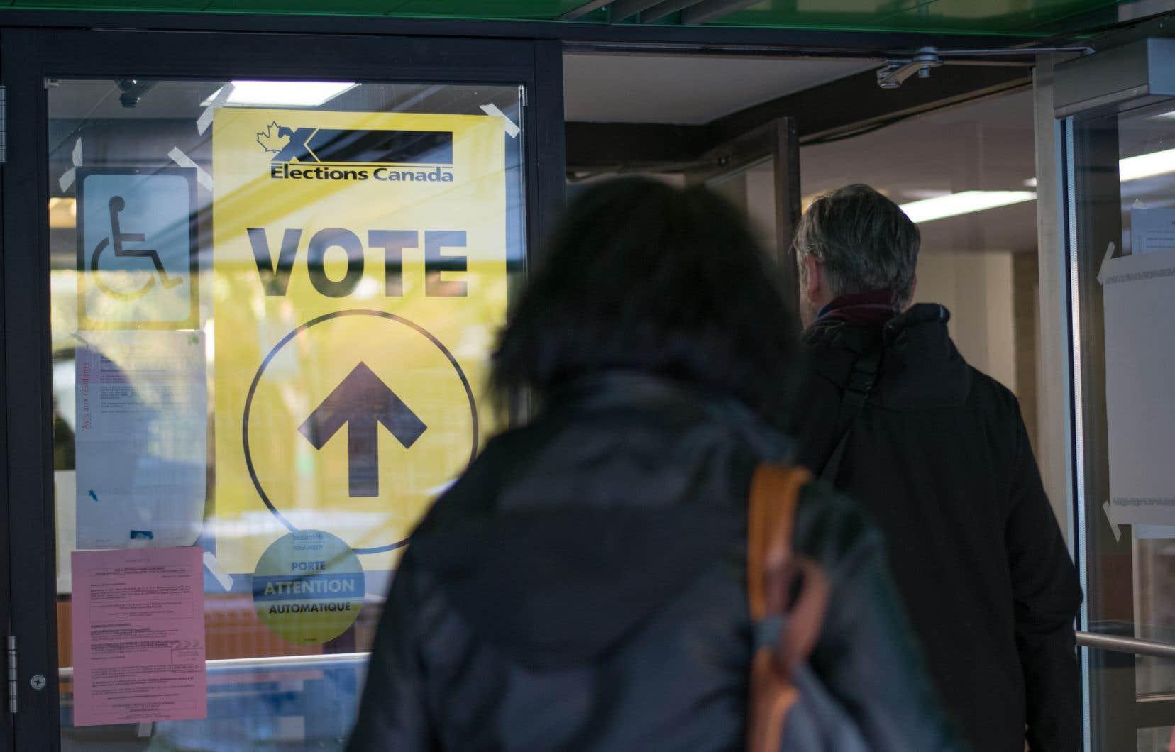 Le chiffre de 4,7 millions d'électeurs ayant voté par anticipation représente une hausse de 29% par rapport à la dernière élection fédérale, en 2015.
