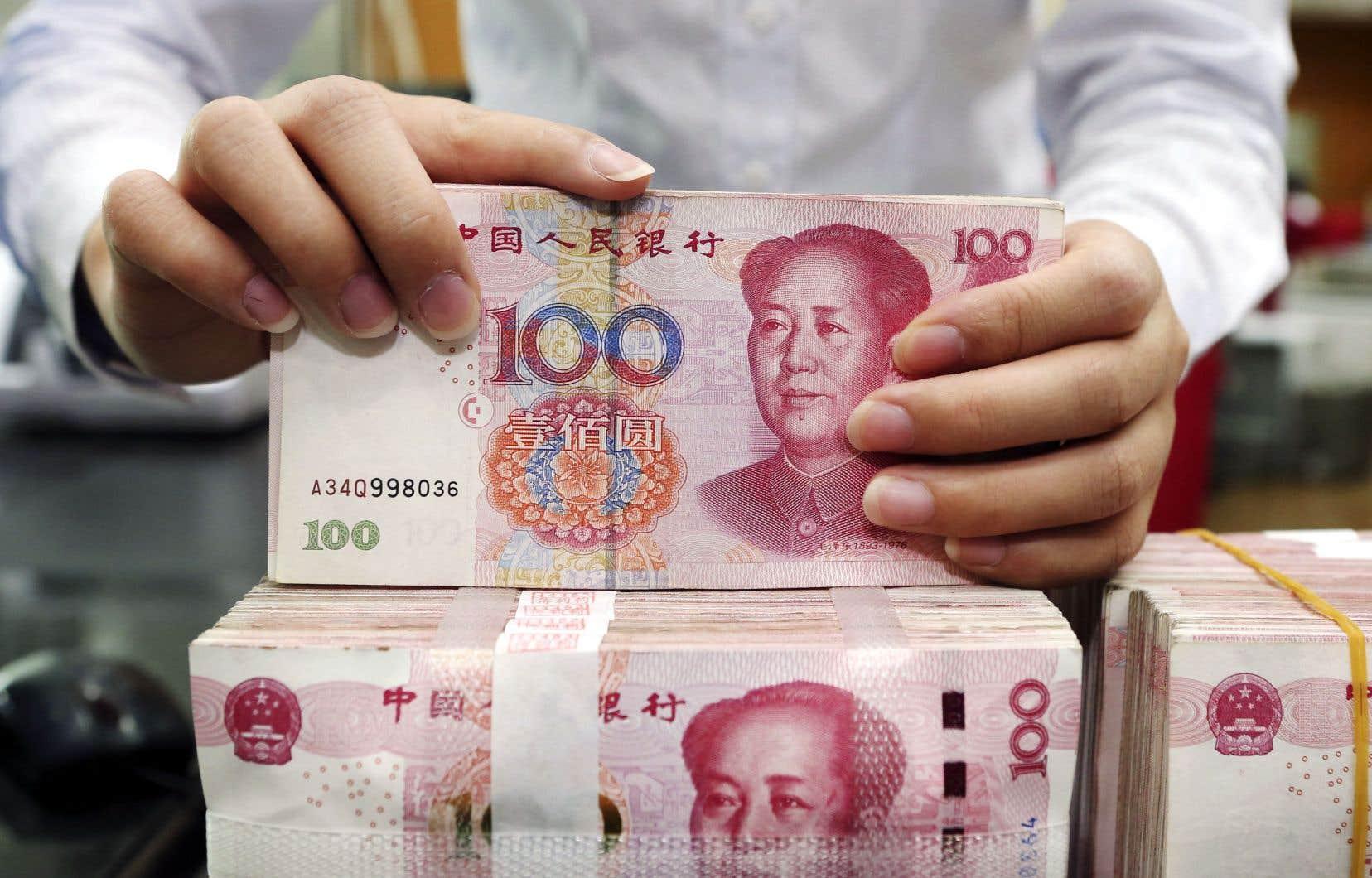 La libra «représente un danger pour le yuan» au moment où Pékin est soucieux de stabiliser sa monnaie, affirme Song Houze, du groupe de réflexion MacroPolo spécialisé dans l'économie chinoise.
