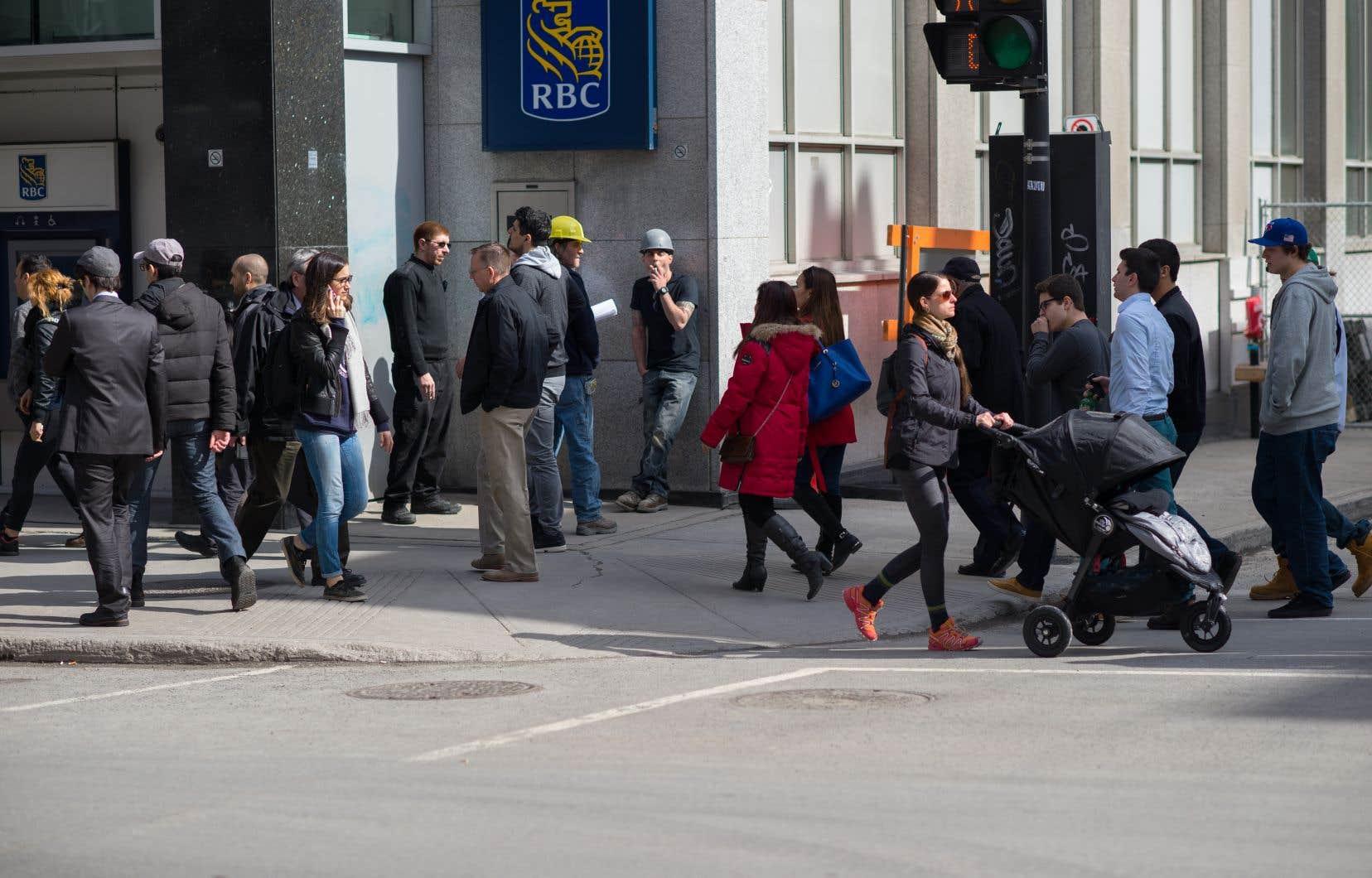 Le Québec affiche une distribution des revenus plus égalitaire que l'ensemble du Canada et l'Ontario.