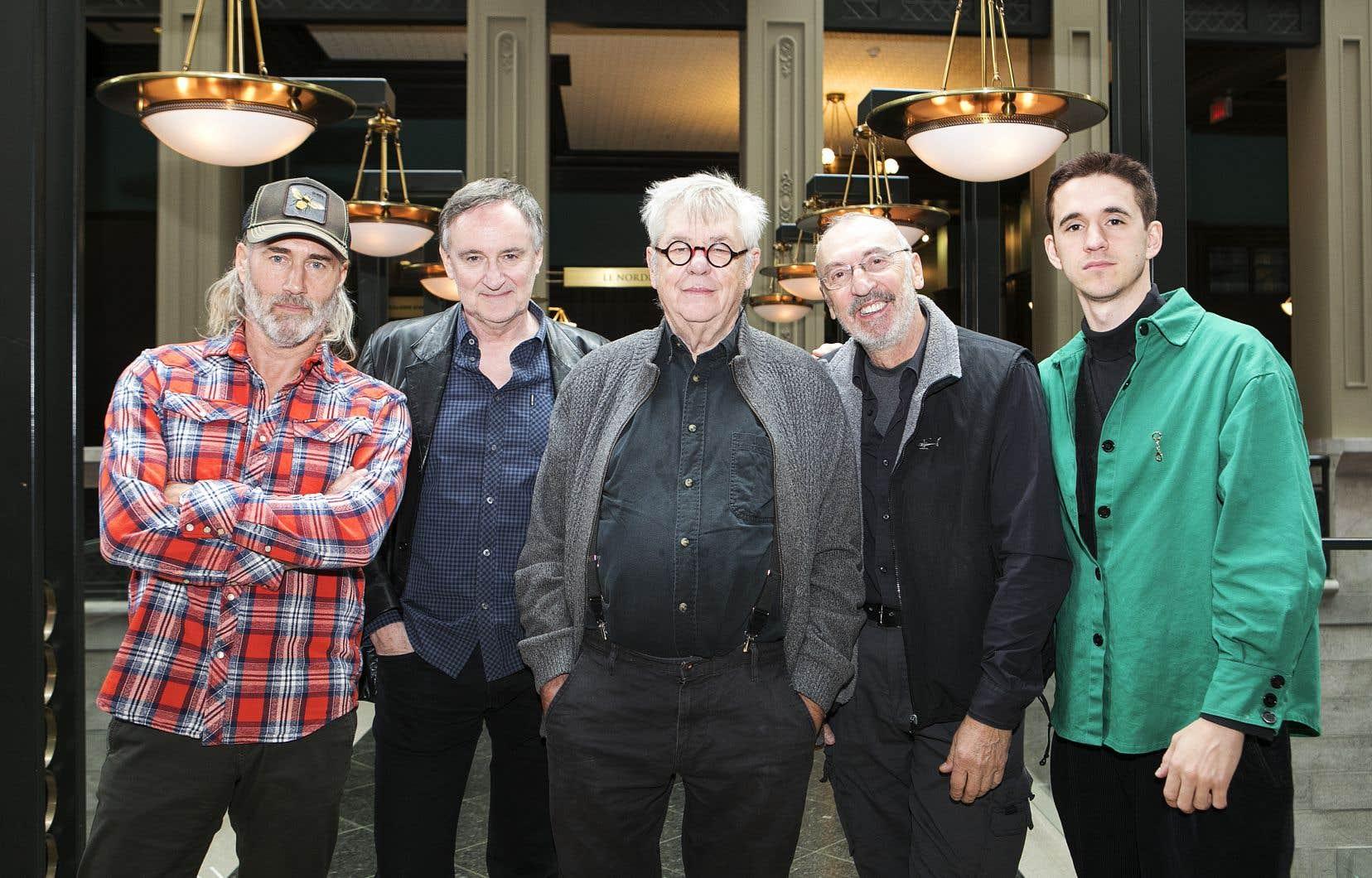 Roy Dupuis, Yves Jacques, Marc-André Forcier, Gaston Lepage, Émile Schneider forment la famille du cinéaste pour son dernier film, «Les fleurs oubliées».