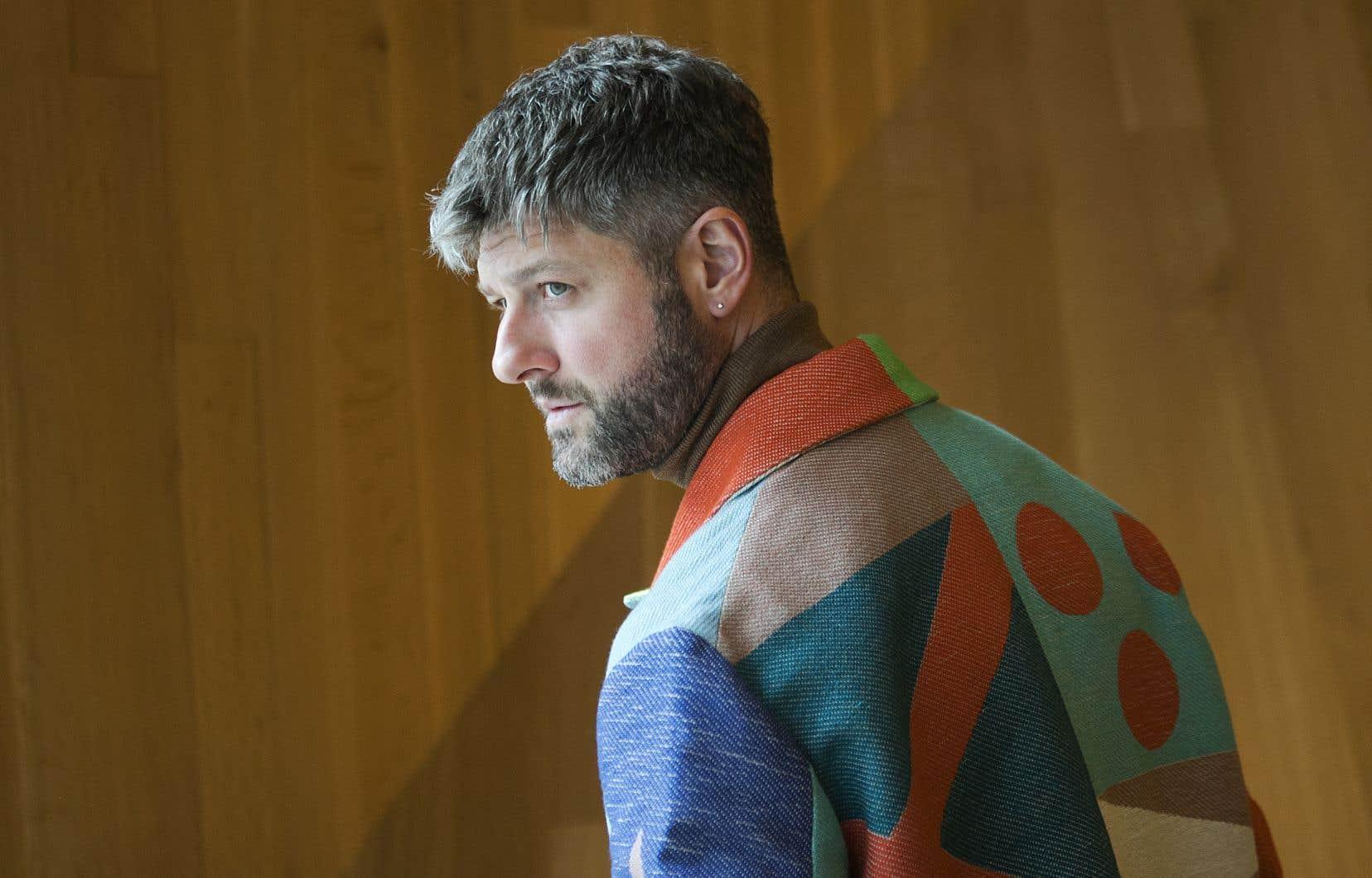 «C'est comme si on avait mis du beau bois partout, partout», raconte l'artiste Pierre Lapointe de la réalisation de son dernier album, «Pour déjouer l'ennui».