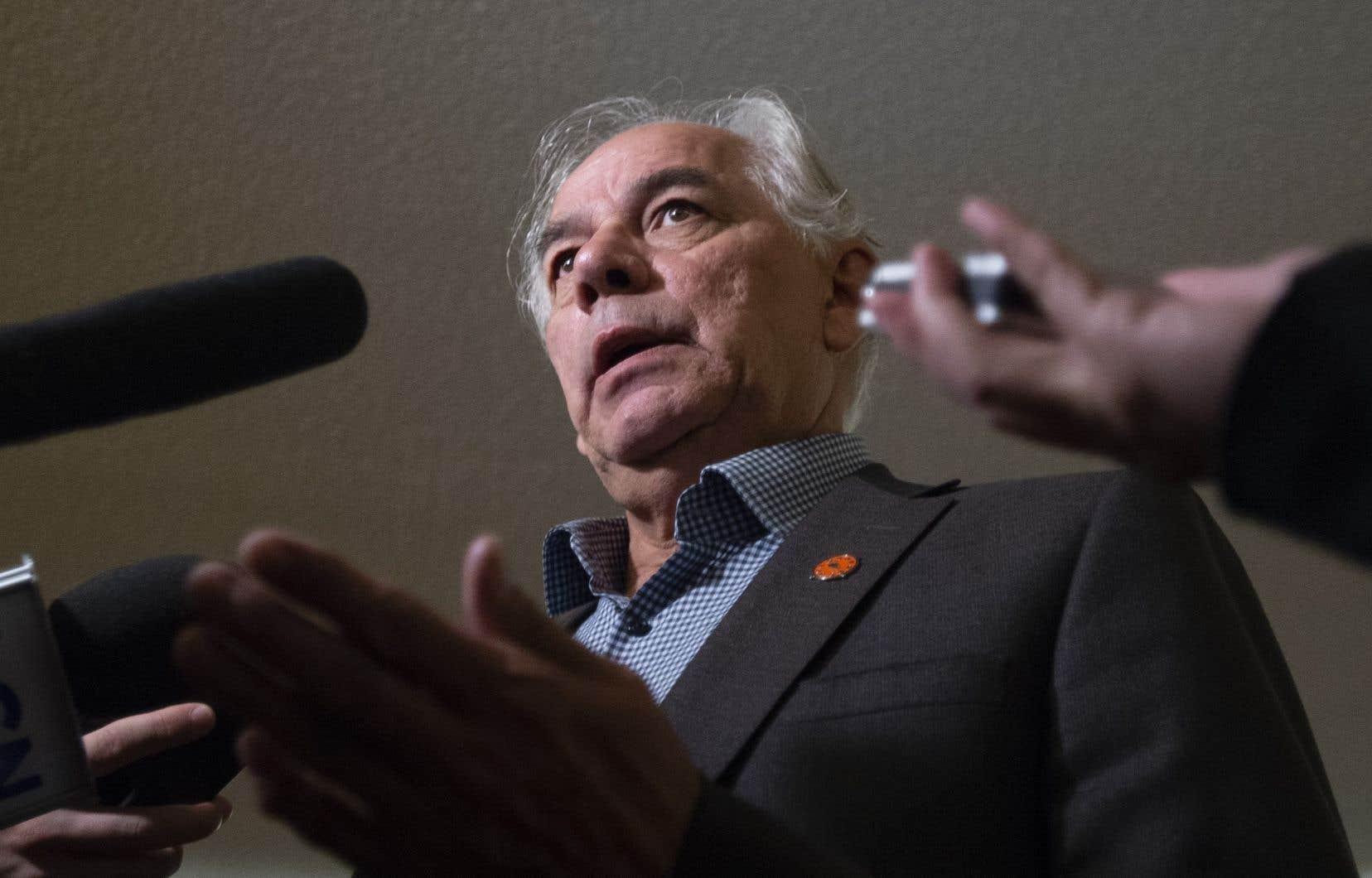 Le chef de l'Assemblée des Premières Nations du Québec et du Labrador, Ghislain Picard, en mêlée de presse