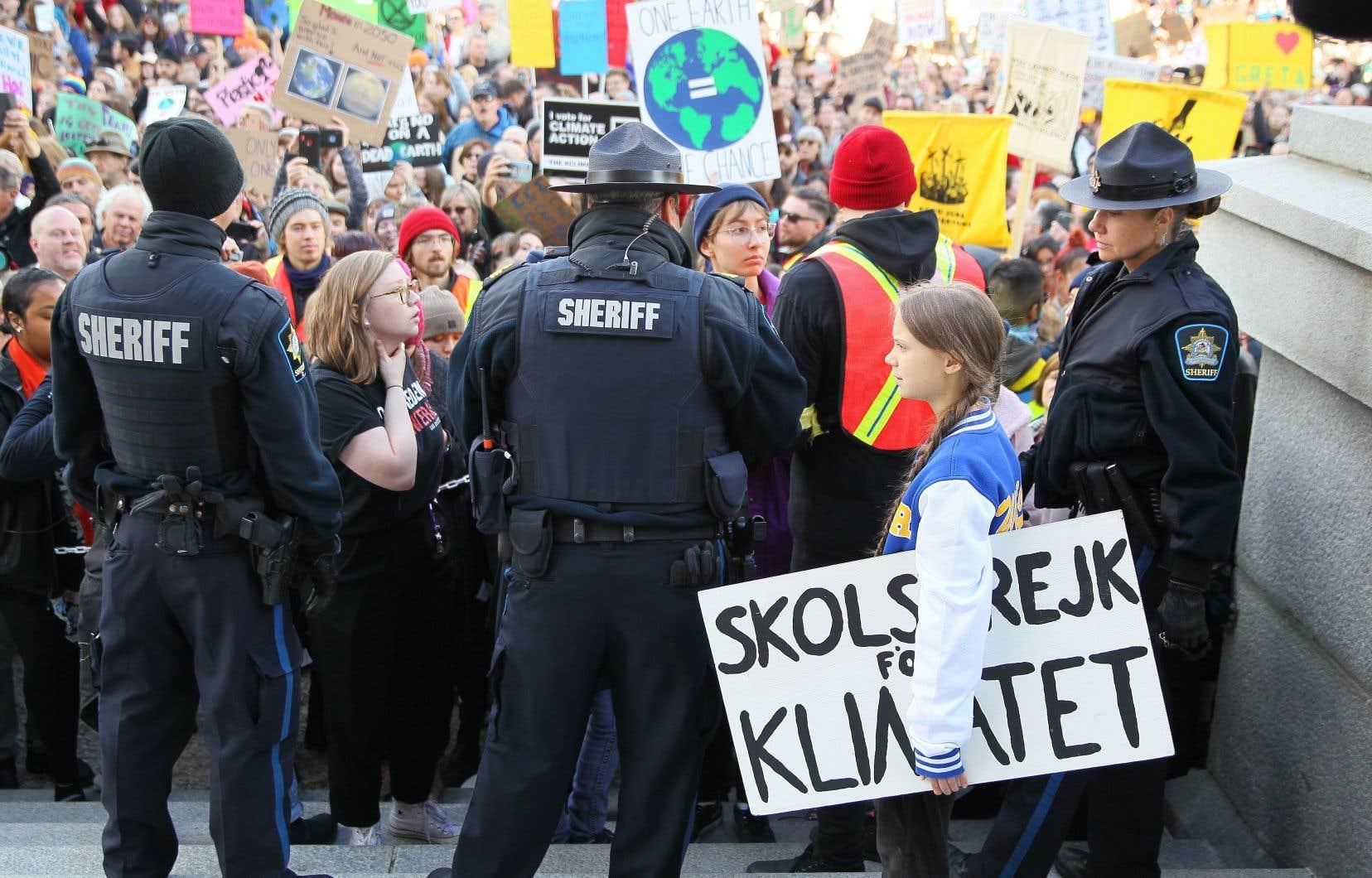 Des policiers étaient présents pour assurer le maintien de l'ordre à l'occasion de la visite de Greta Thunberg.