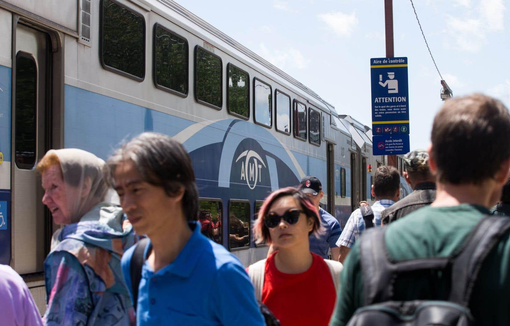 Les usagers plaident pour une diversité de mesuresdont des navettes entre Deux-Montagnes et Sainte-Thérèse pour que des usagers prennent le train de Saint-Jérôme.