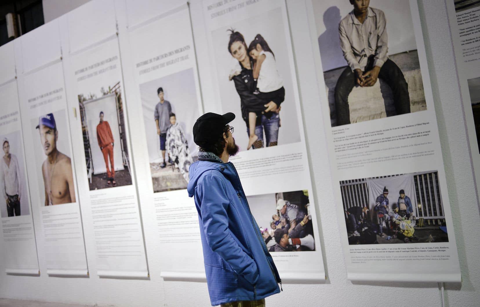 Parmi les expositions, on trouve Histoires issues de la route de la migration, de Brett Gundlock, sur la caravane de migrants pendant la traversée du Mexique en 2018.