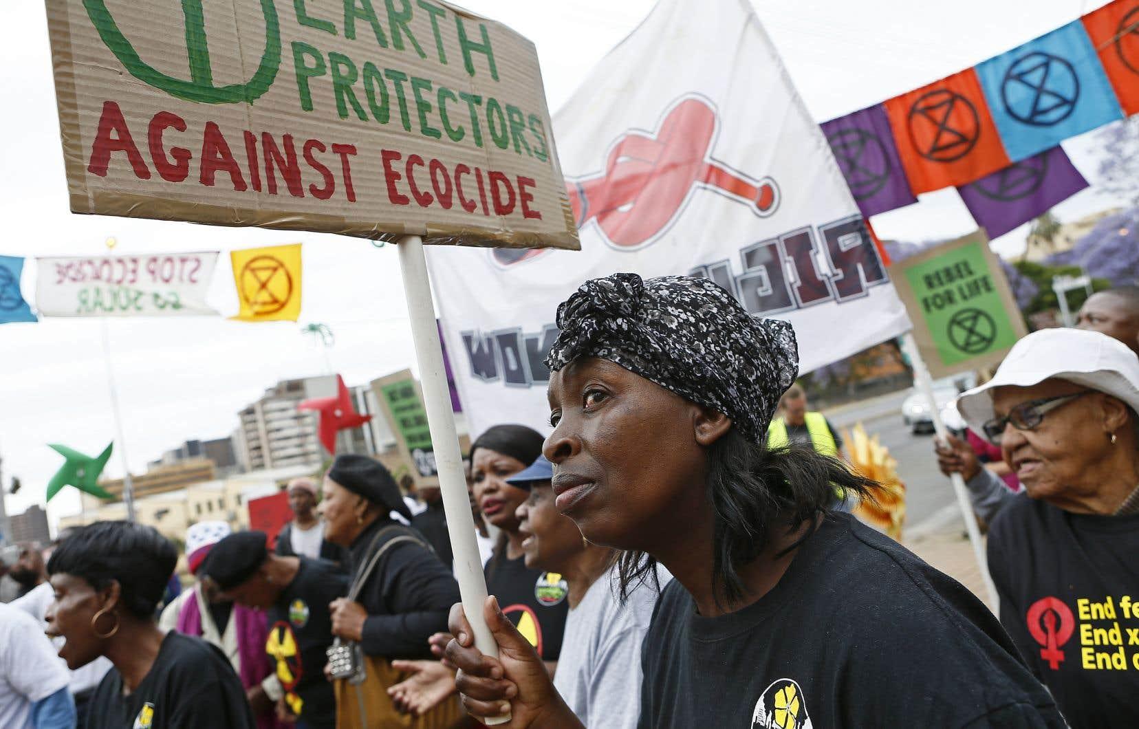 Les manifestations pour le climat qui ont réuni des centaines de milliers de personnes de Sydney à Stockholm, n'ont en revanche mobilisé que quelques centaines de personnes dans les capitales du continent, à l'exception de l'Afrique du Sud (en photo).