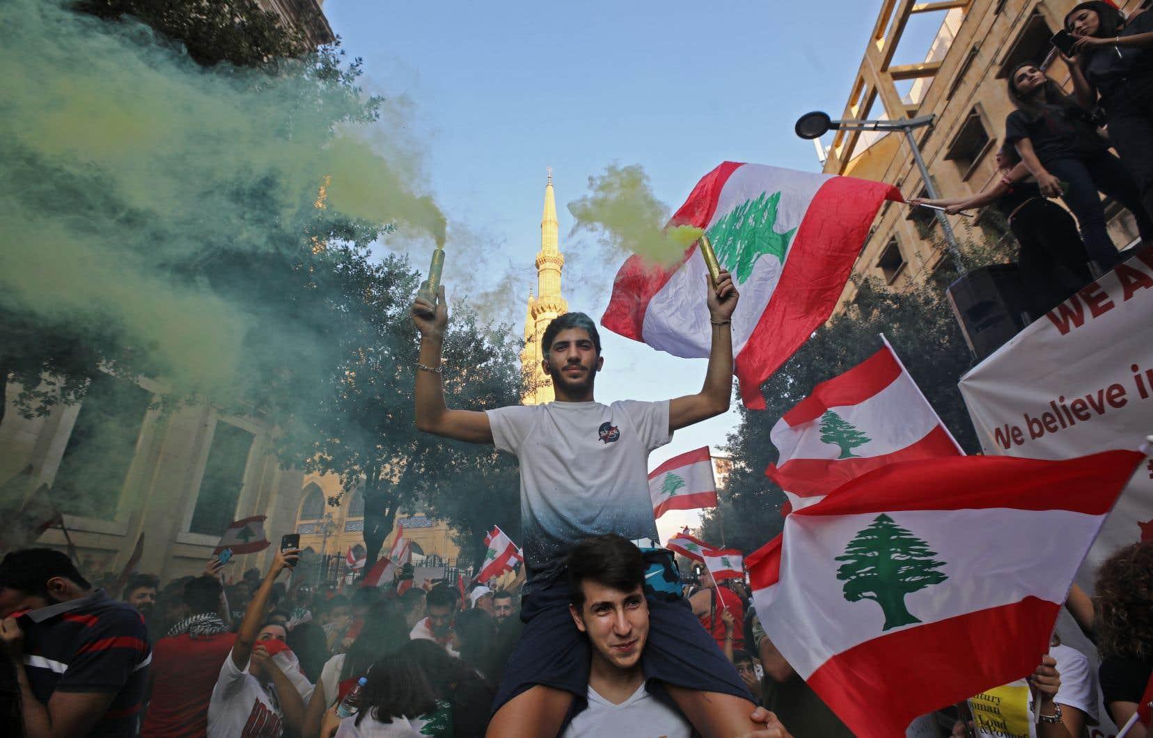 Les Libanais ont continué de manifester même si le gouvernement a annoncé des réformes.